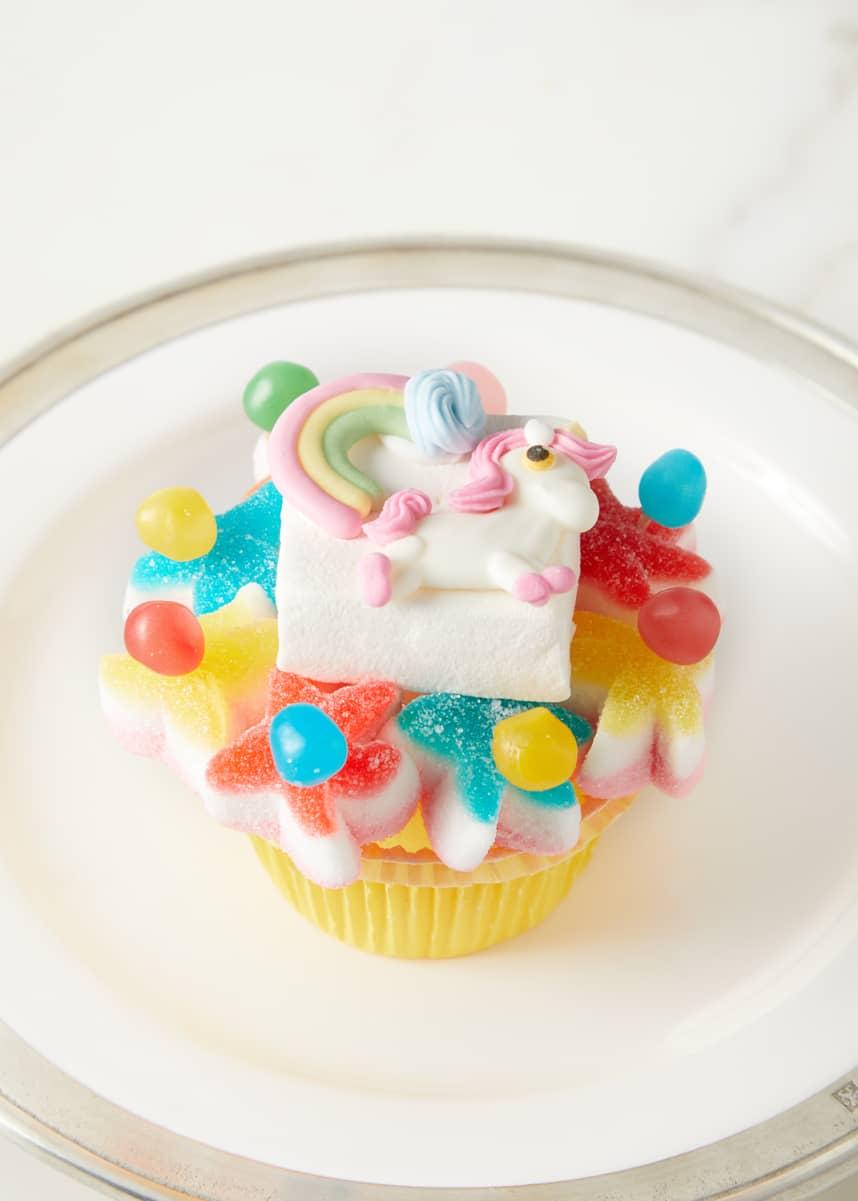 Nicoletta Cake Marshmallow Unicorn & Rainbow Cupcake