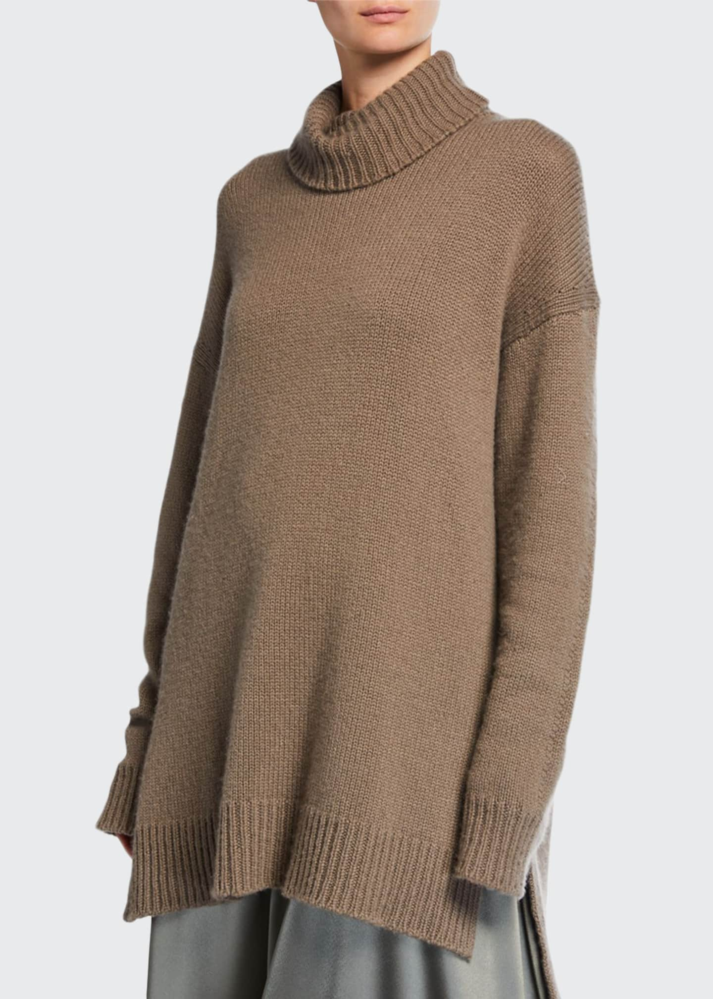Deveaux New York Cashmere Trapeze Turtleneck Sweater
