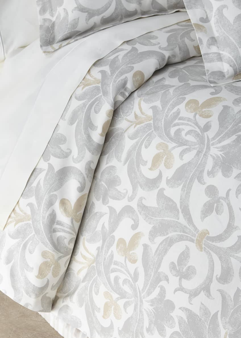 Image 1 of 1: Le Monte King Duvet