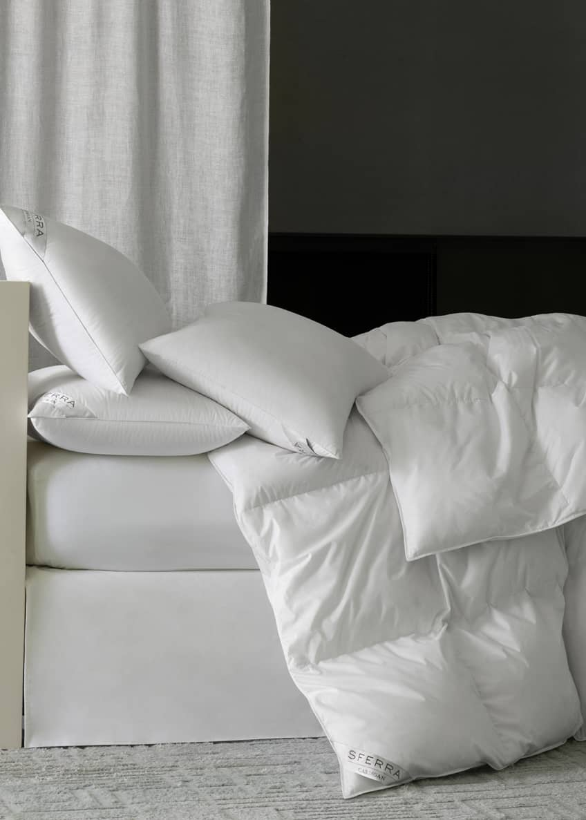 Image 1 of 2: 800-Fill European Down Light Weight Queen Duvet