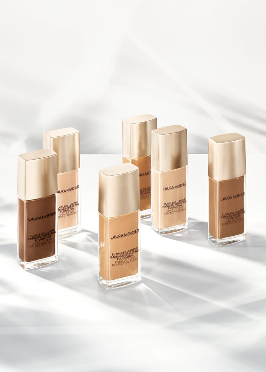 Image 5 of 5: Flawless Lumière Radiance-Perfecting Foundation