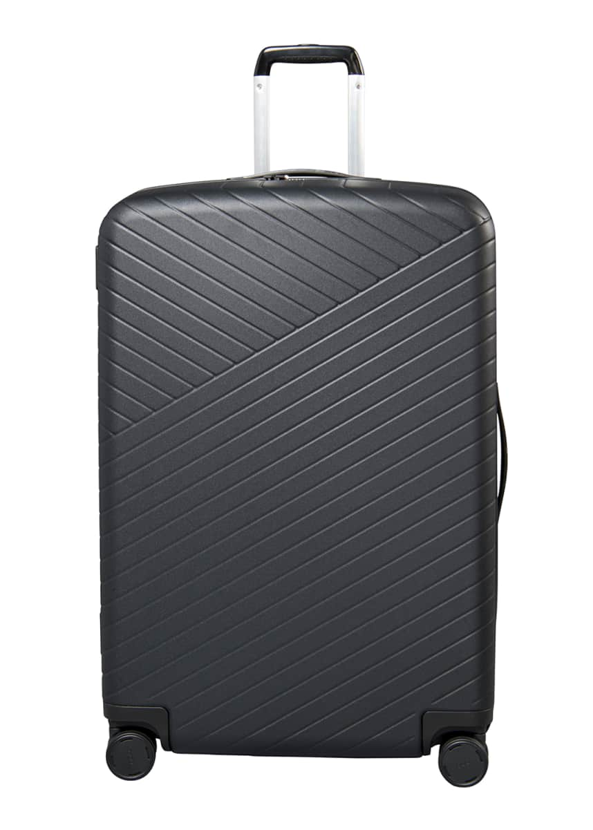 "OOO Traveling Large 30"" Spinner Luggage"
