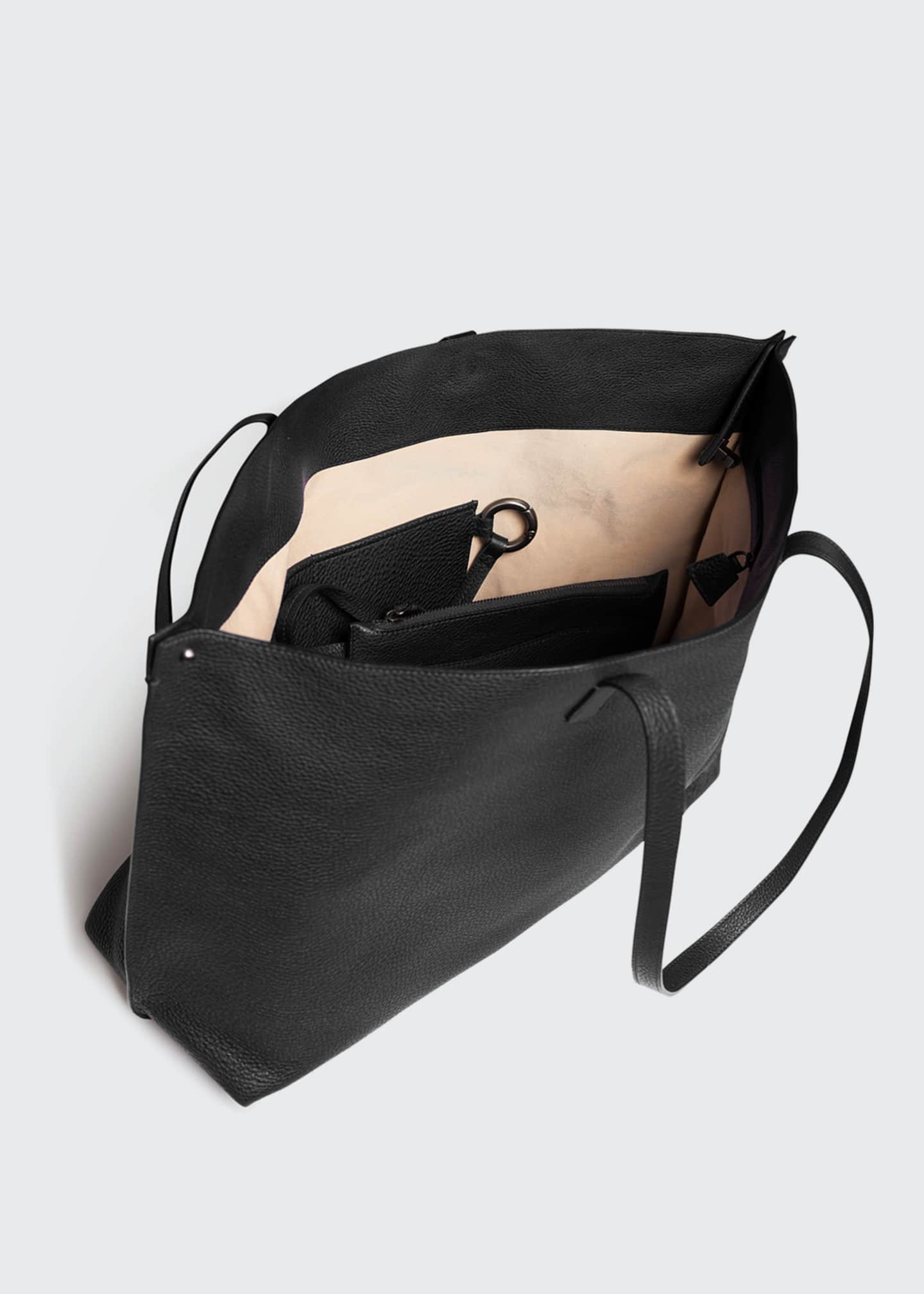 Image 3 of 4: Ai Medium Soft Cervo Calf Shoulder Bag