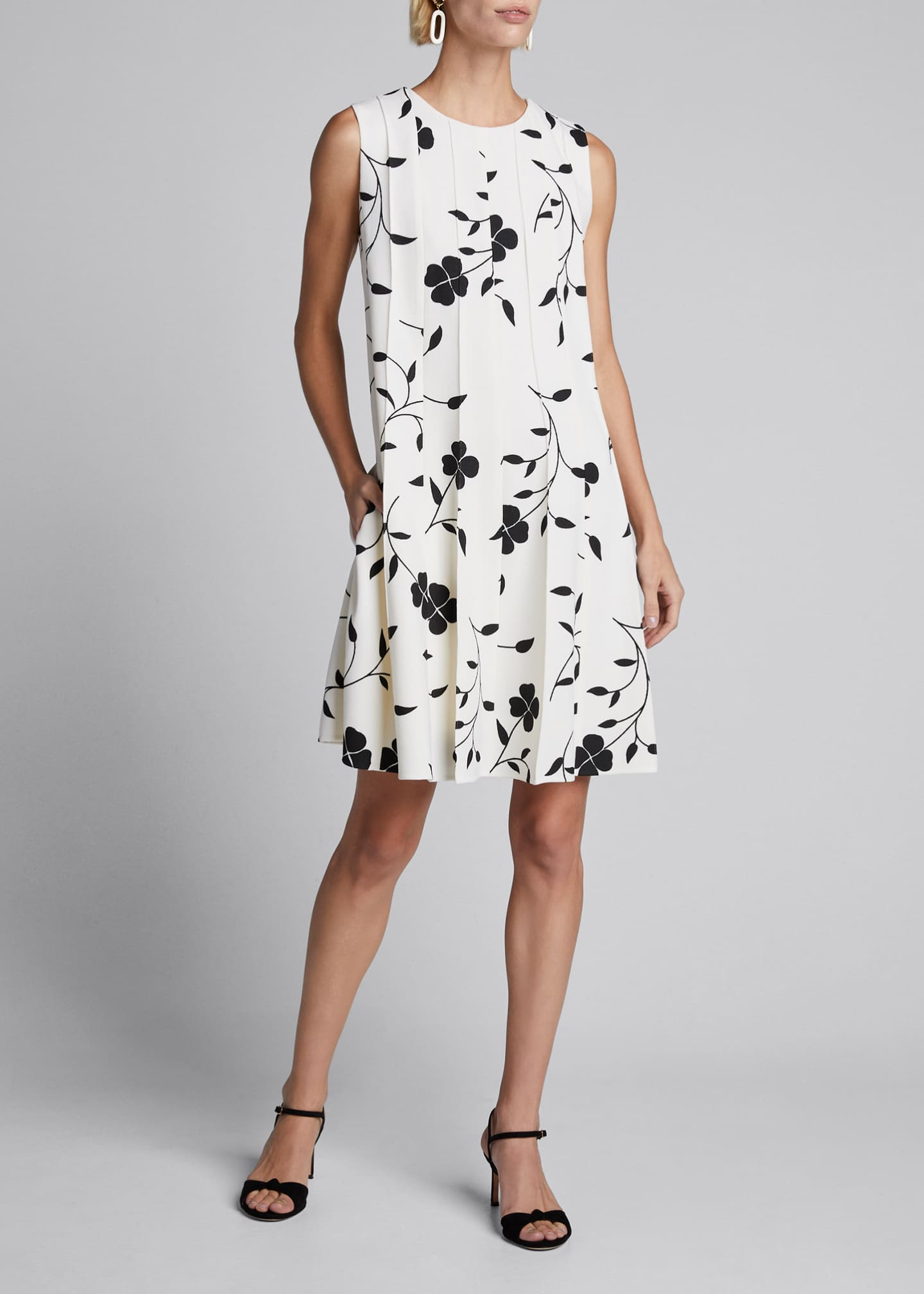 Oscar de la Renta Flower Pleated Sleeveless A-Line
