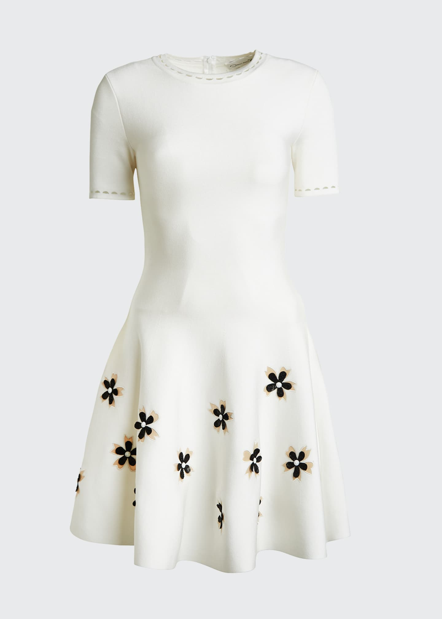 Image 5 of 5: Short-Sleeve Flower Applique Knit Dress