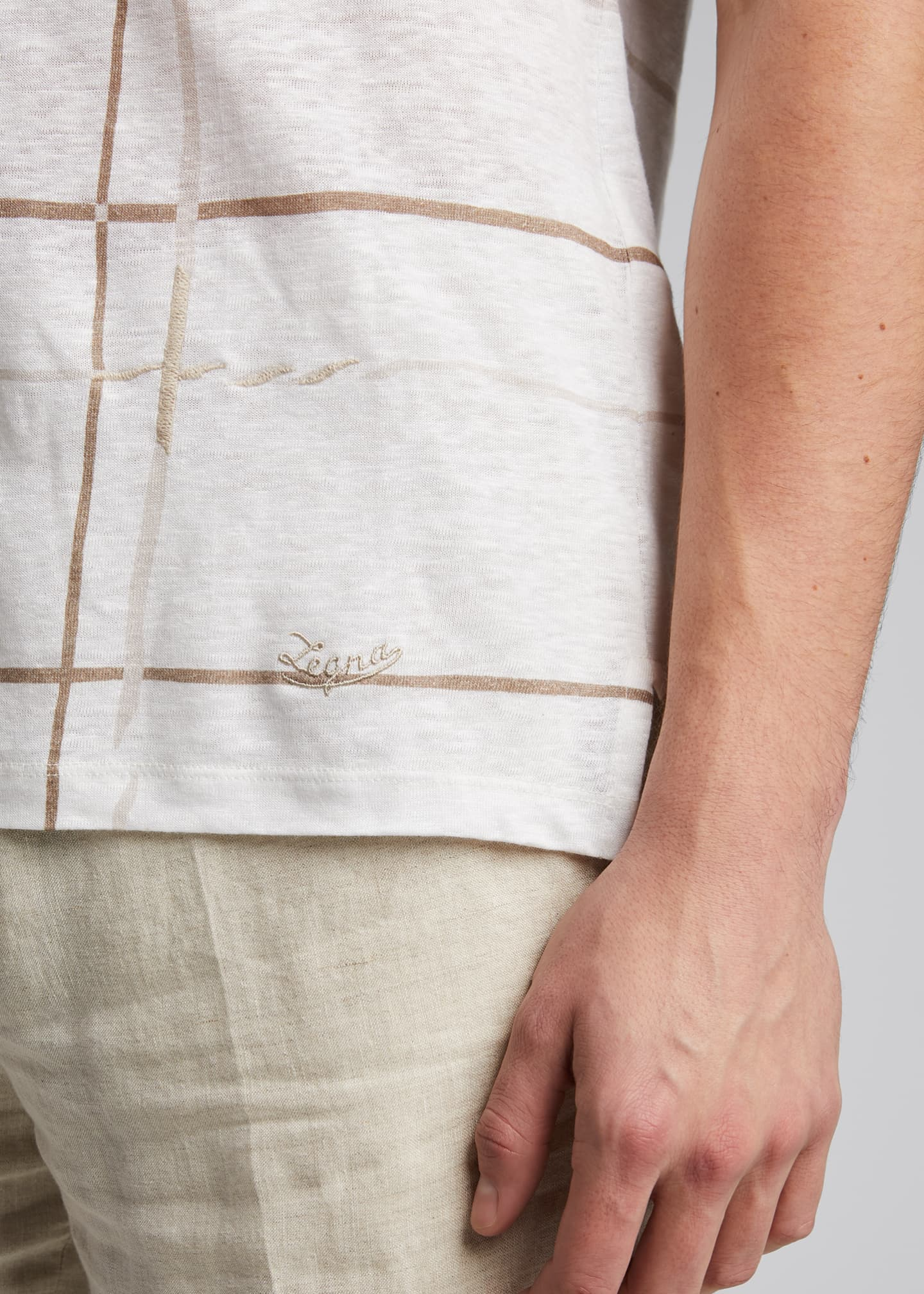 Image 4 of 5: Men's Patterned Regular-Fit Linen T-Shirt