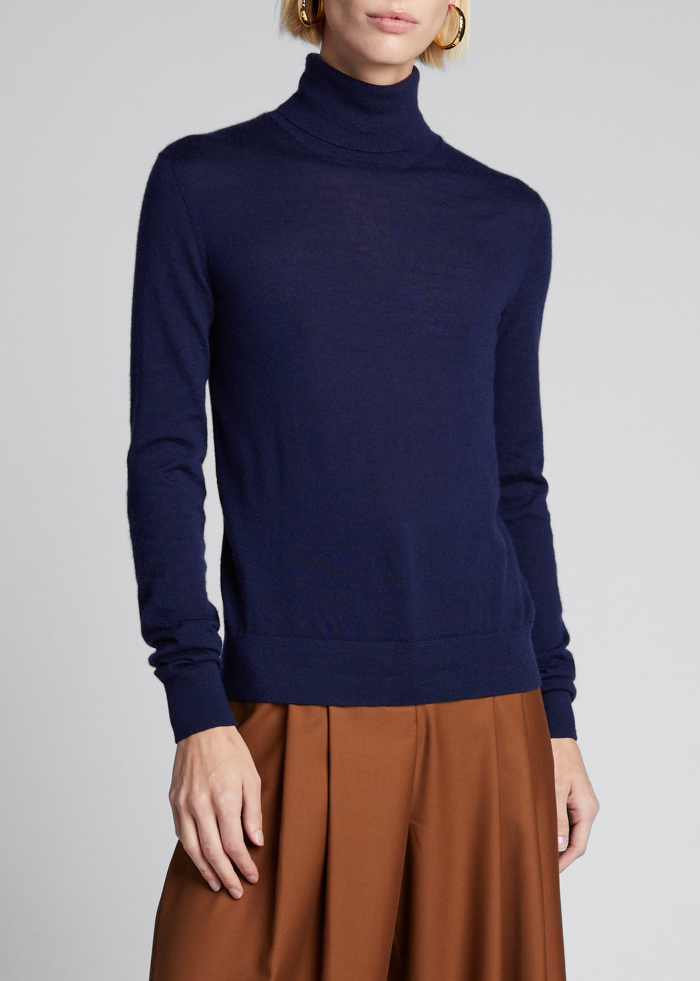 Image 3 of 5: Cashmere Turtleneck Sweater