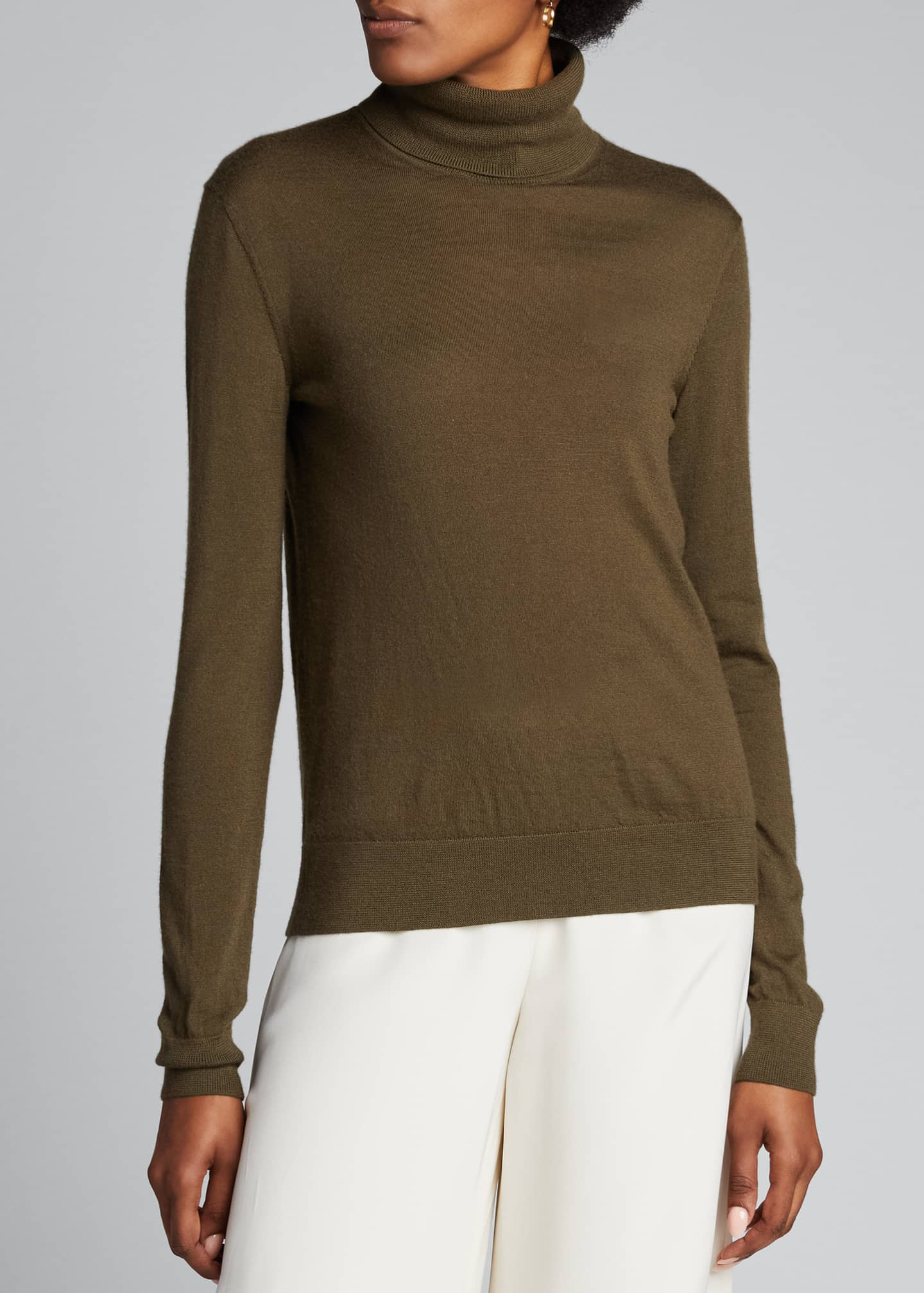 Image 3 of 5: Cashmere Fitted Turtleneck Sweater