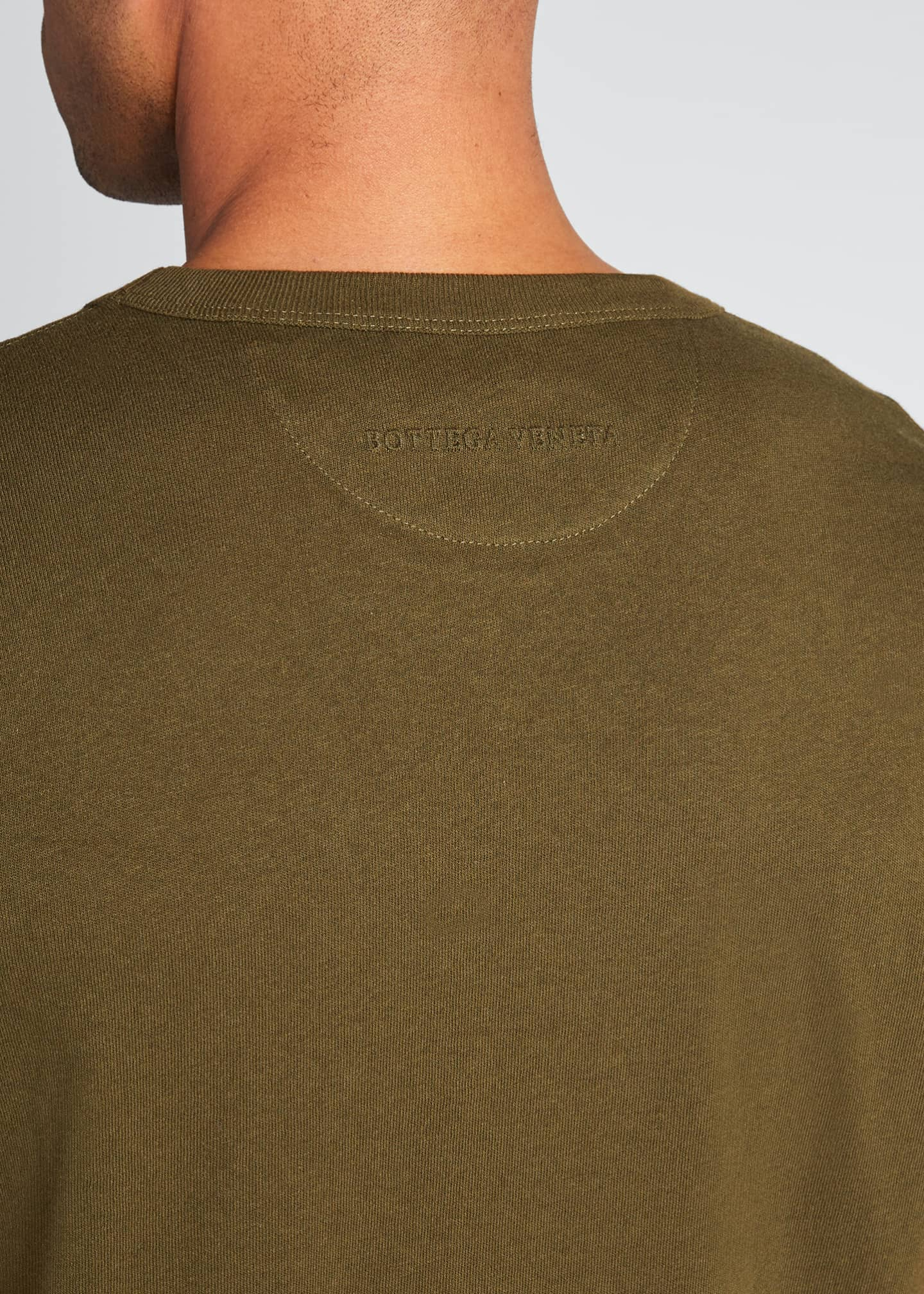 Image 4 of 5: Men's Solid Lightweight Crewneck Tee