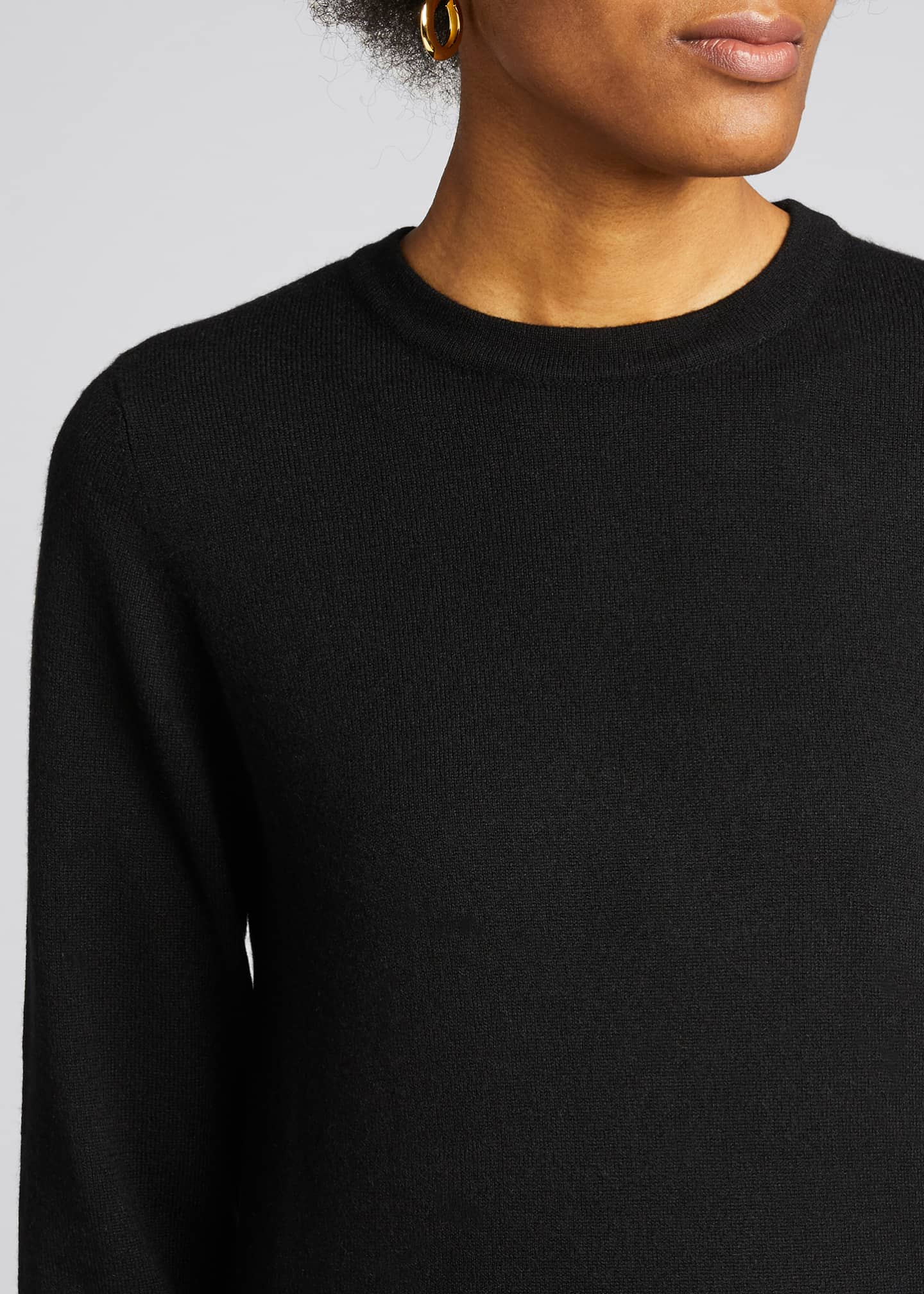 Image 4 of 5: Cashmere Basic Crewneck Sweater