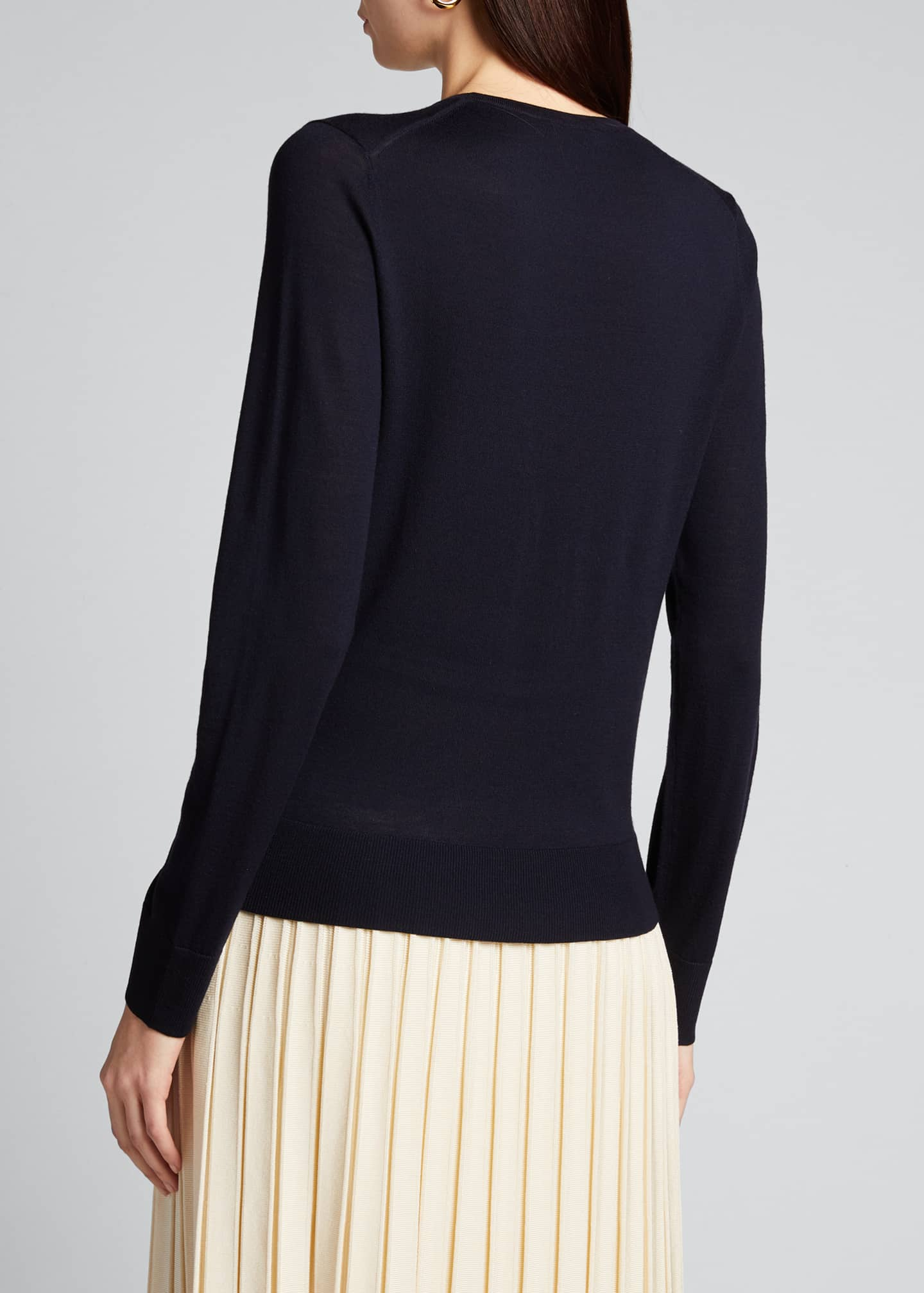 Image 2 of 5: Round-Neck Wool Long-Sleeve Sweater