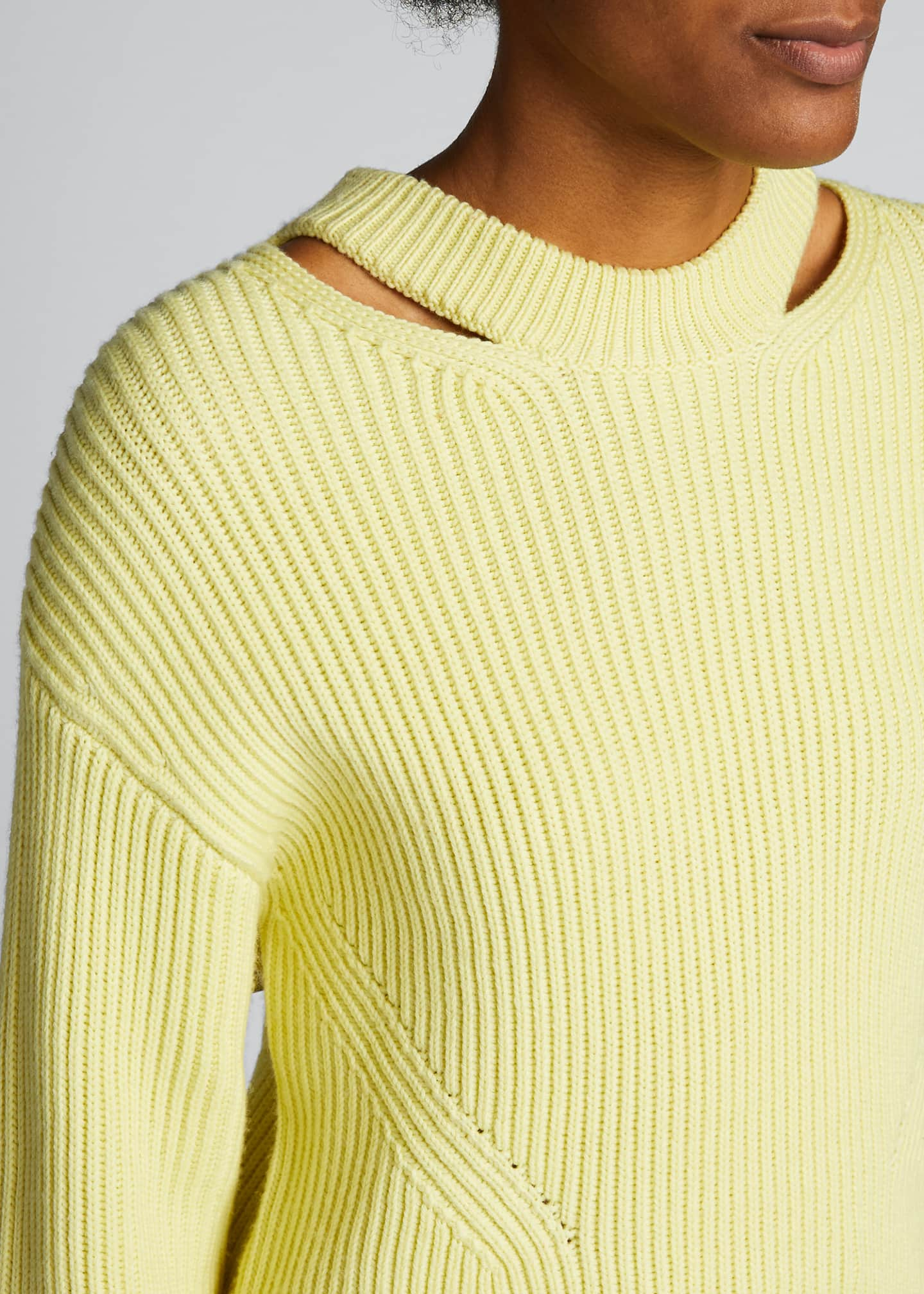 Image 4 of 5: Chunky Ribbed Pullover