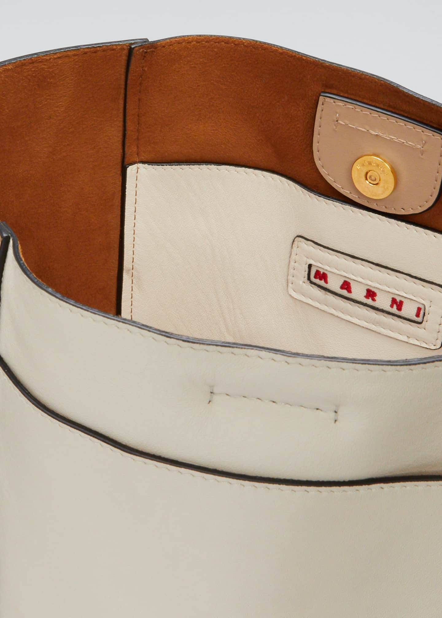 Image 4 of 5: Trunk Reverse Shoulder Bag