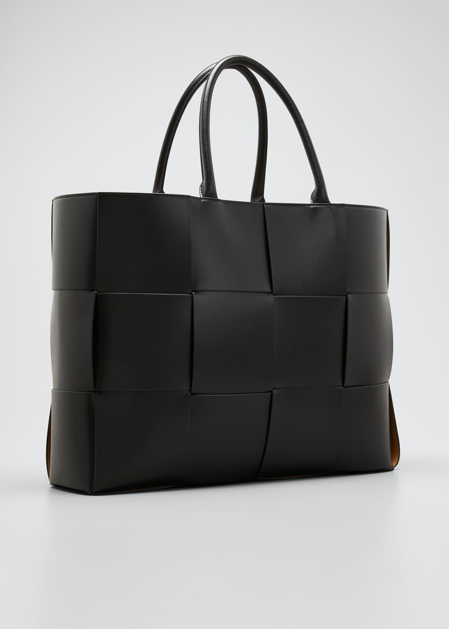 Image 3 of 5: Men's Borsa Large Woven Leather Tote Bag
