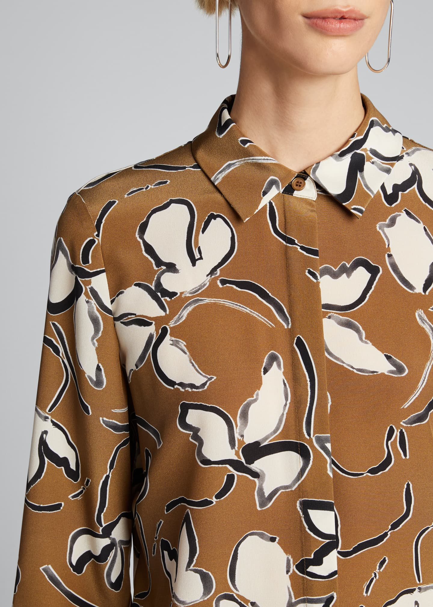 Image 4 of 5: Scottie Tossed Vine Printed Blouse