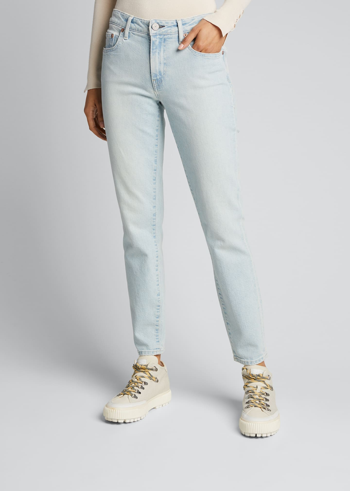 Image 3 of 5: Sophie Low-Rise Slim Cropped Jeans