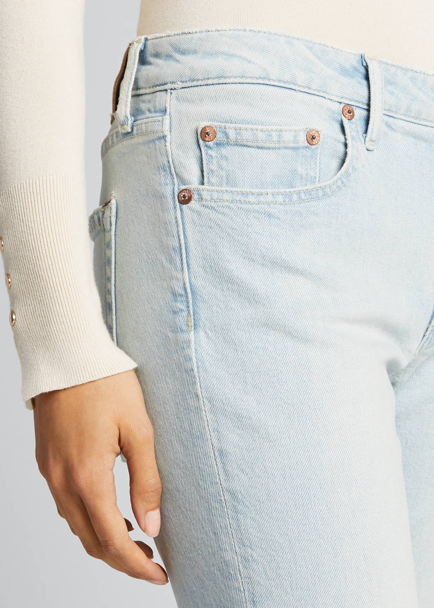 Image 4 of 5: Sophie Low-Rise Slim Cropped Jeans