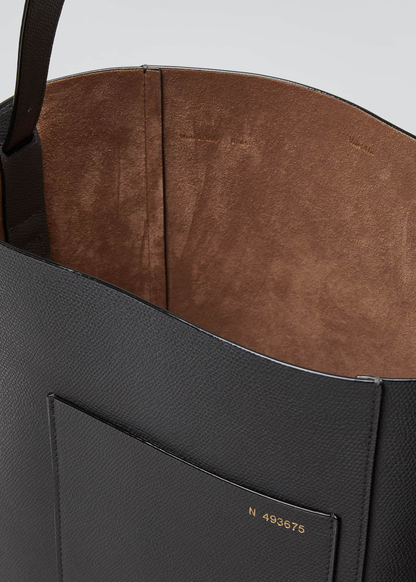 Image 4 of 5: Leather Bucket Tote Bag