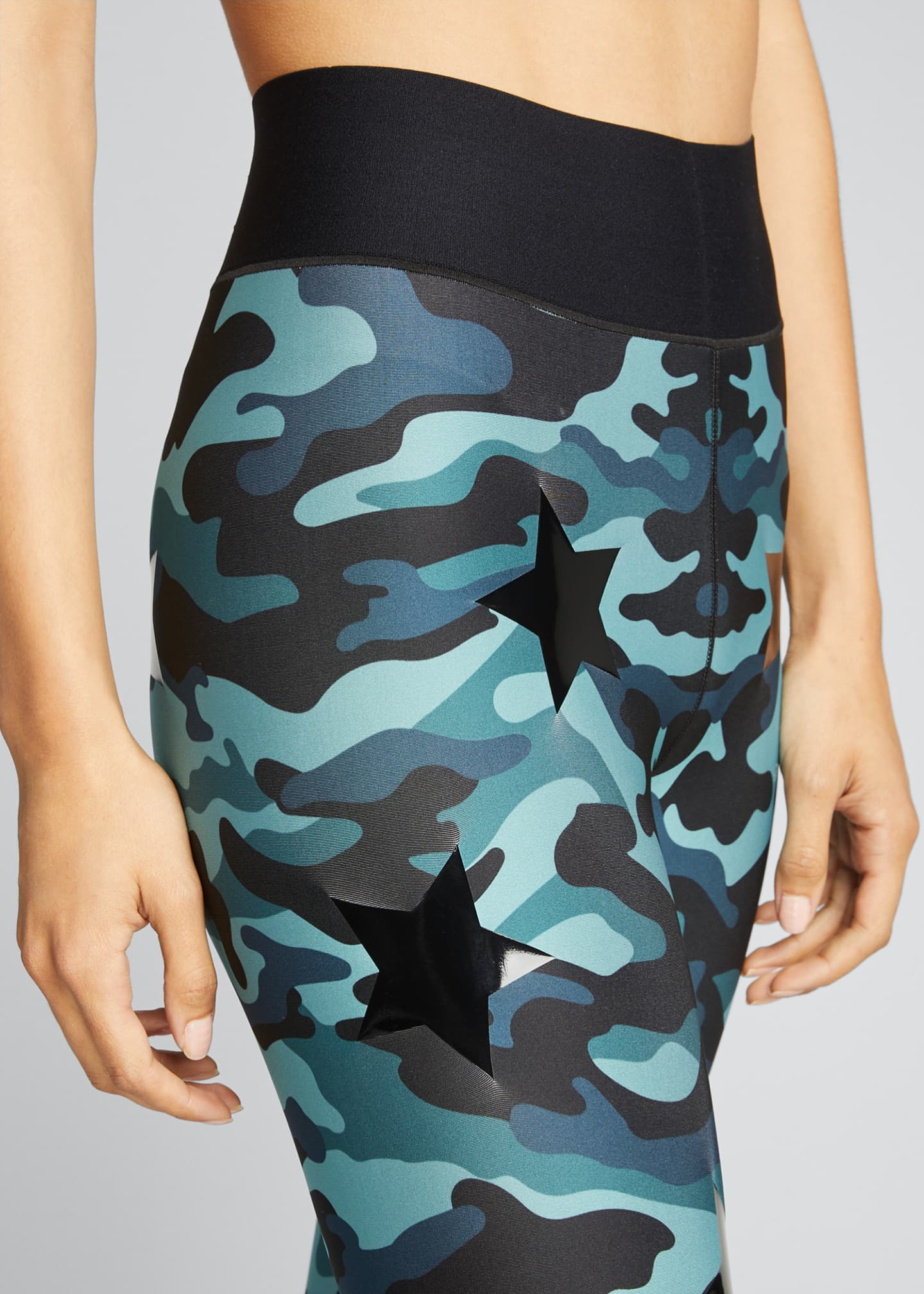 Image 4 of 5: Knockout Camo Ultra High-Waist Leggings