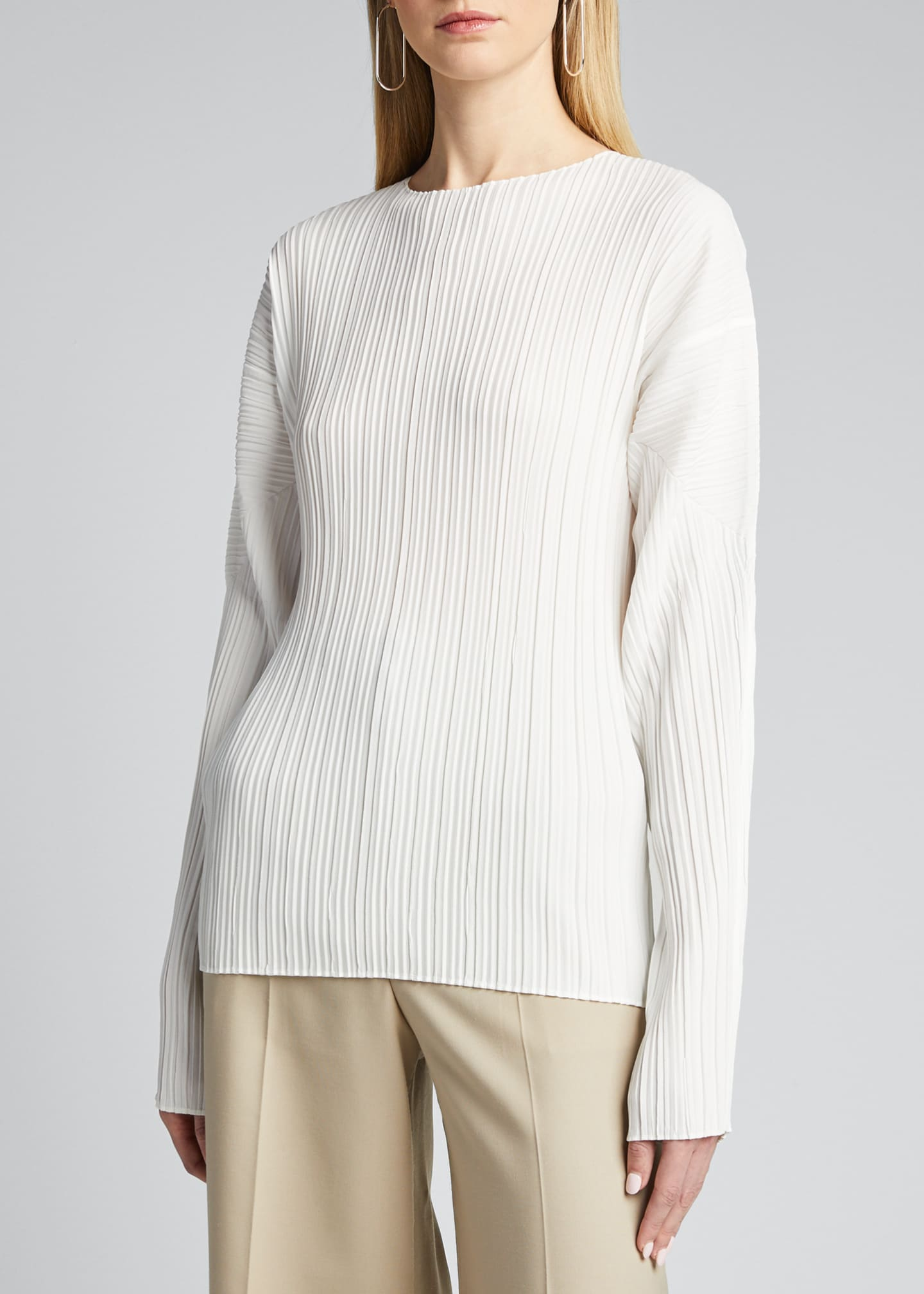 Image 3 of 5: Long-Sleeve Mushroom Pleated Top