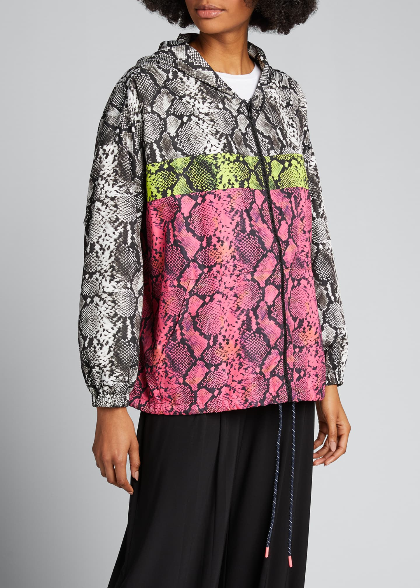 Image 3 of 5: Colorblocked Snake-Print Wind-Resistant Jacket