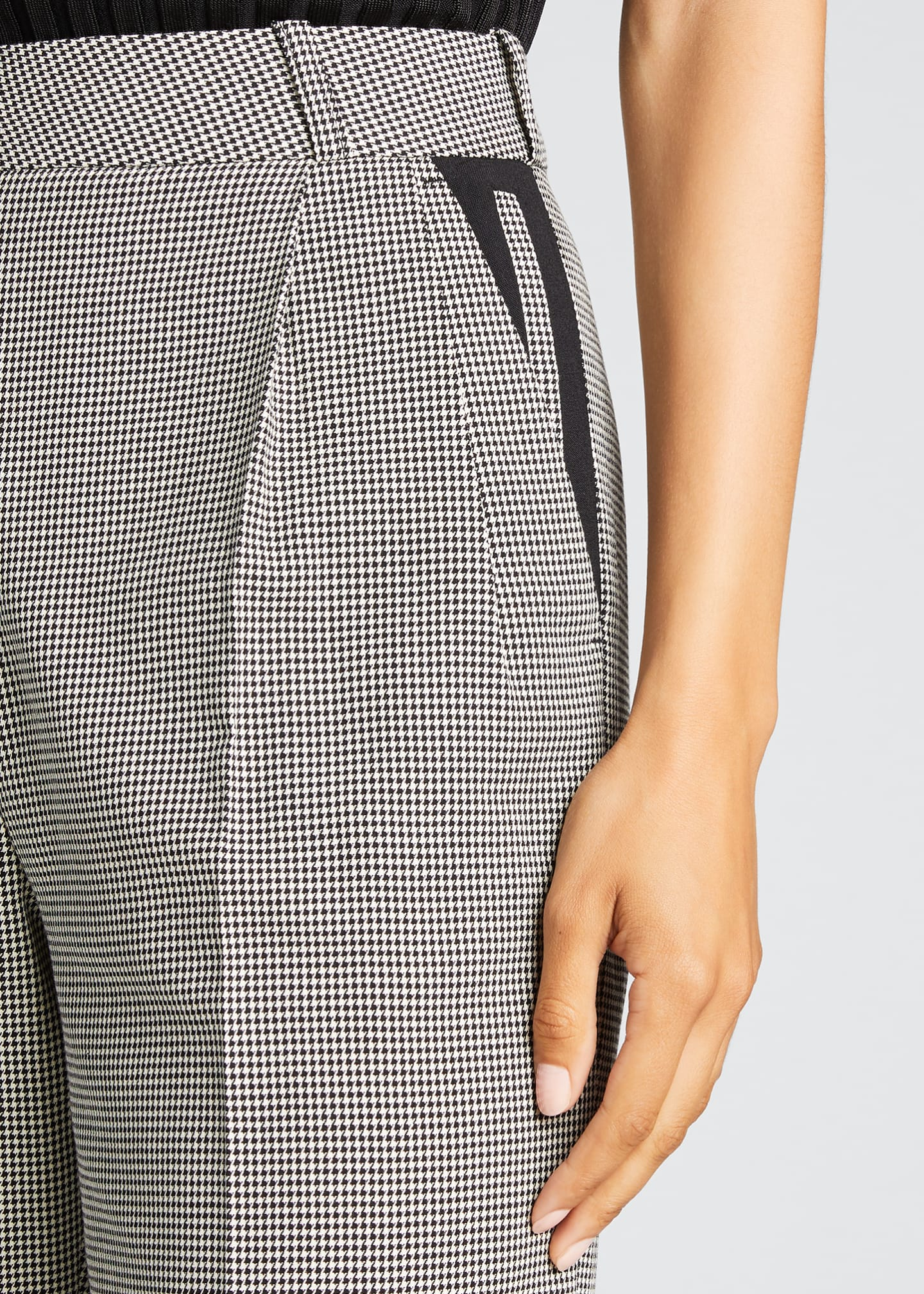 Image 4 of 5: Relaxed Houndstooth Bermuda Shorts