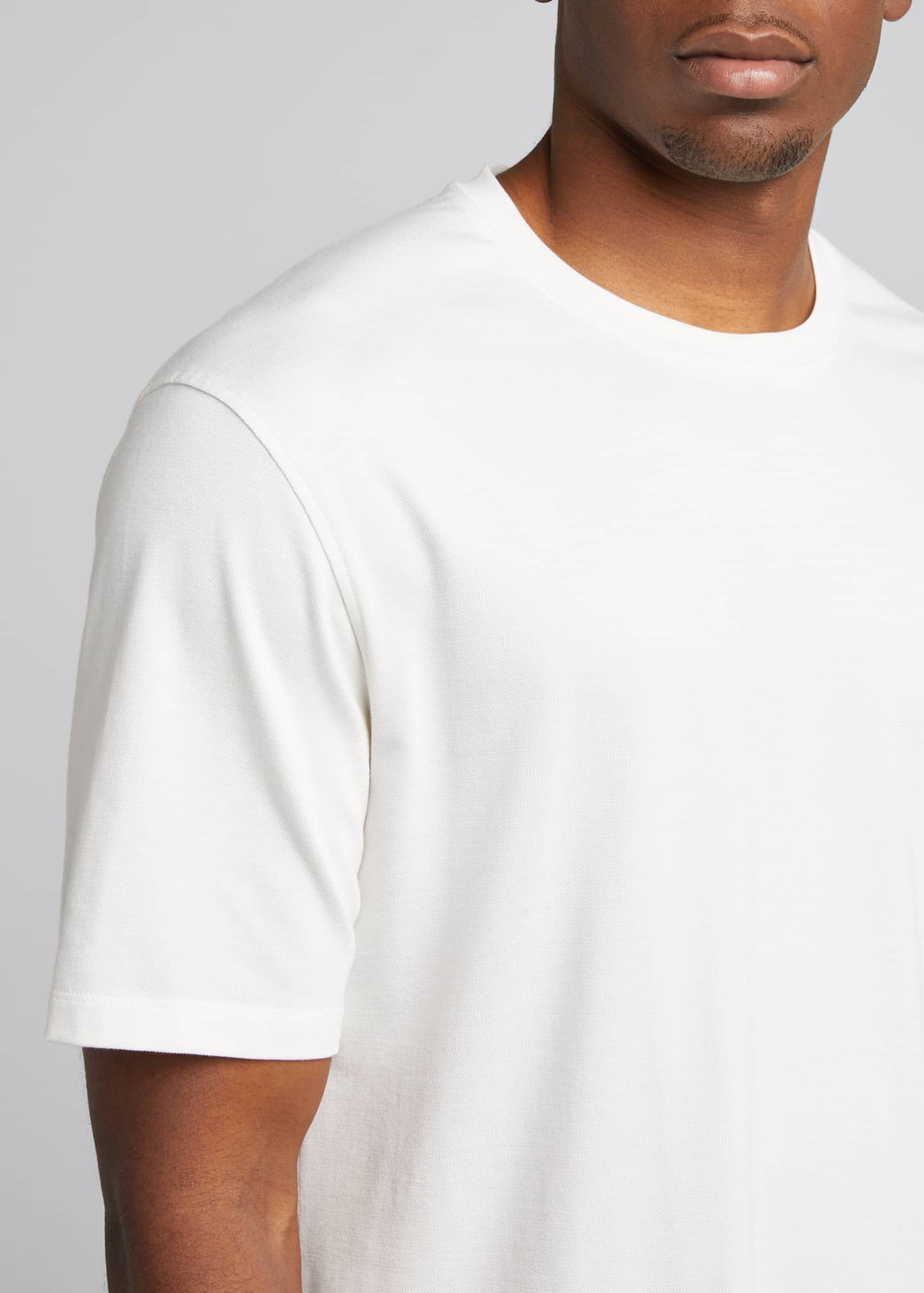 Image 4 of 5: Men's Solid Stretch Tee