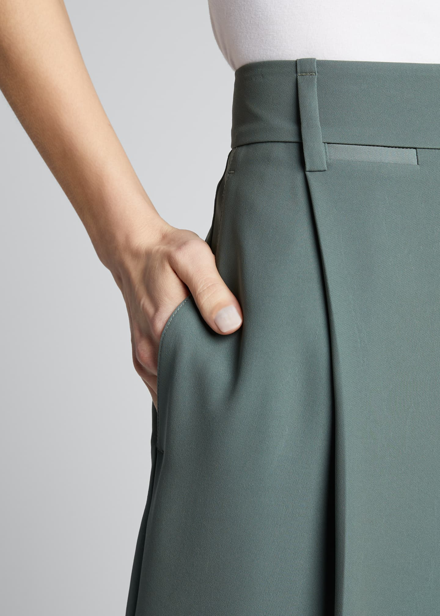 Image 4 of 5: Wide-Leg Pleated Trousers