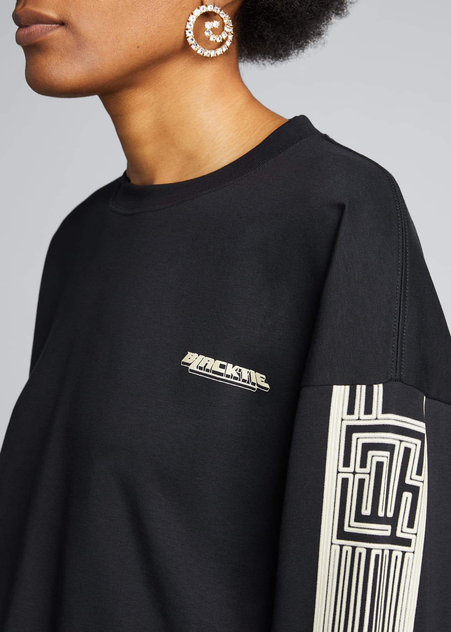 Image 4 of 5: Long-Sleeve Graphic T-Shirt