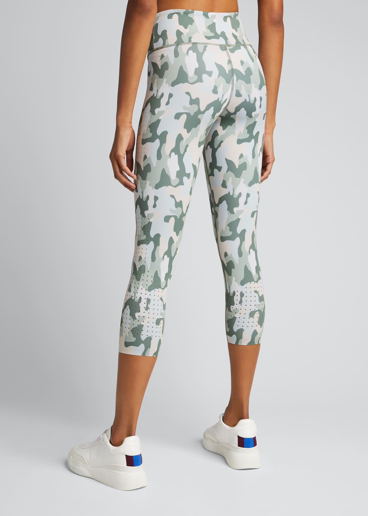 Image 2 of 5: Freedom Camo Active Crop Leggings