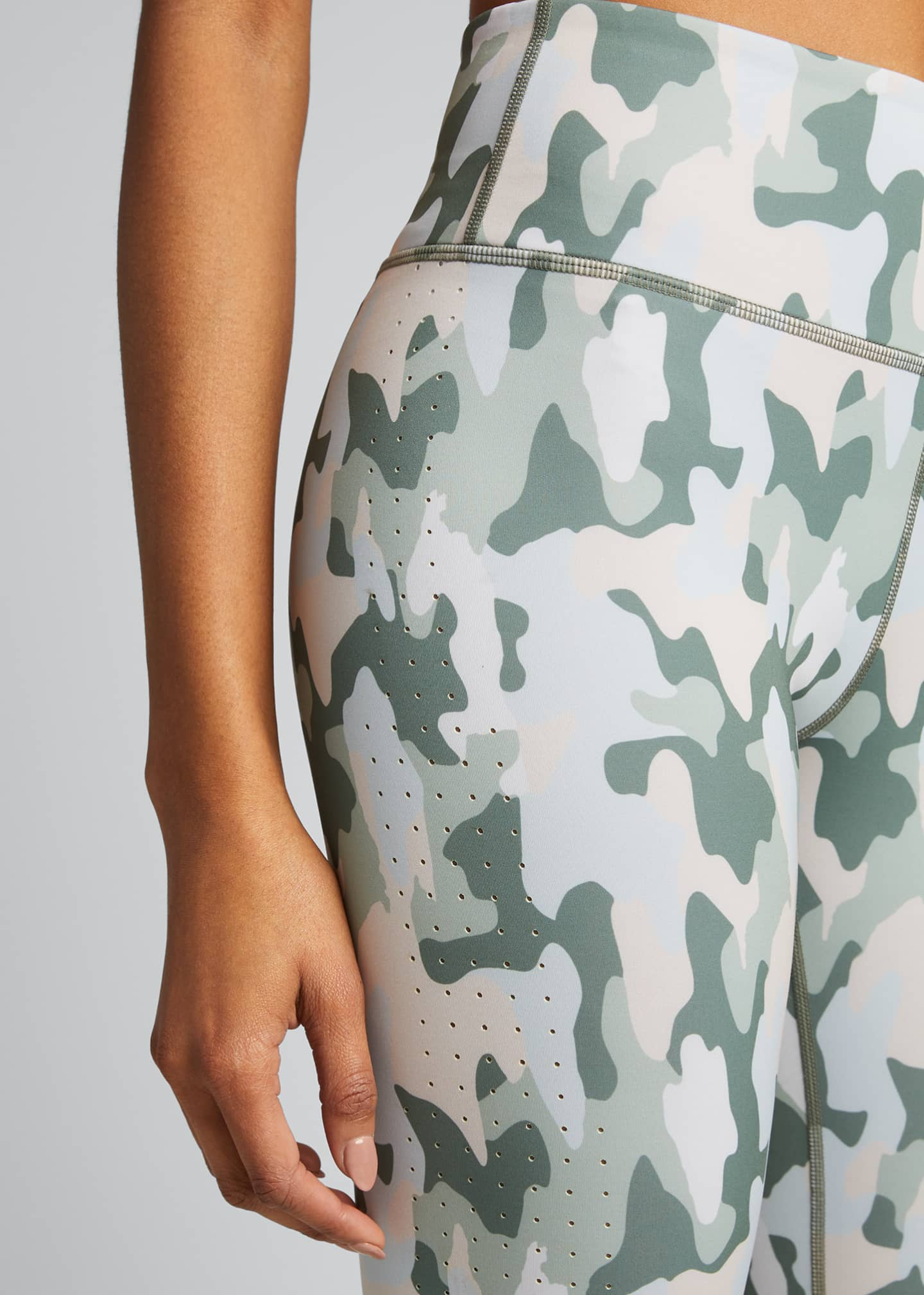 Image 4 of 5: Freedom Camo Active Crop Leggings
