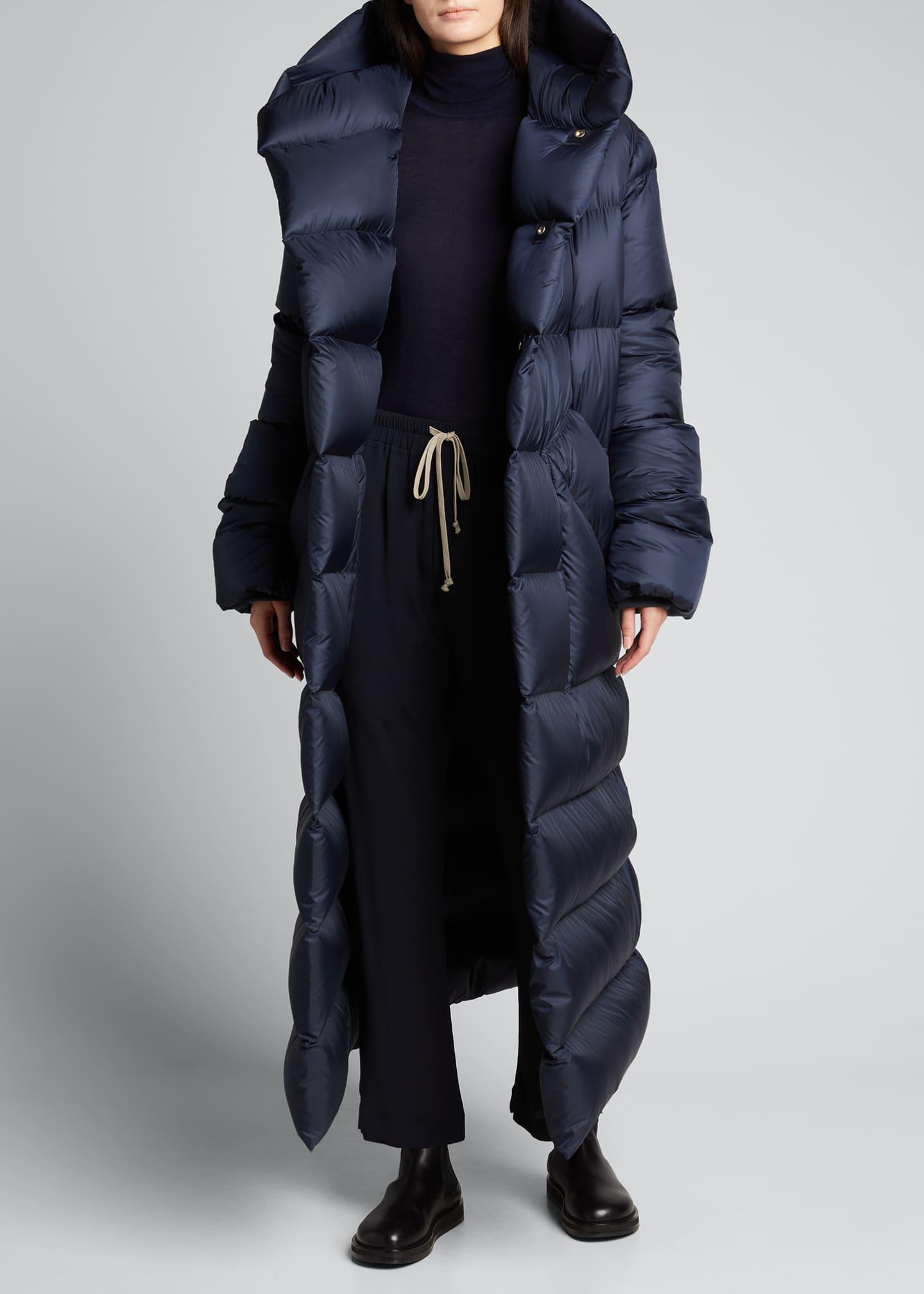Image 3 of 5: Oversized Maxi Hooded Puffer Jacket