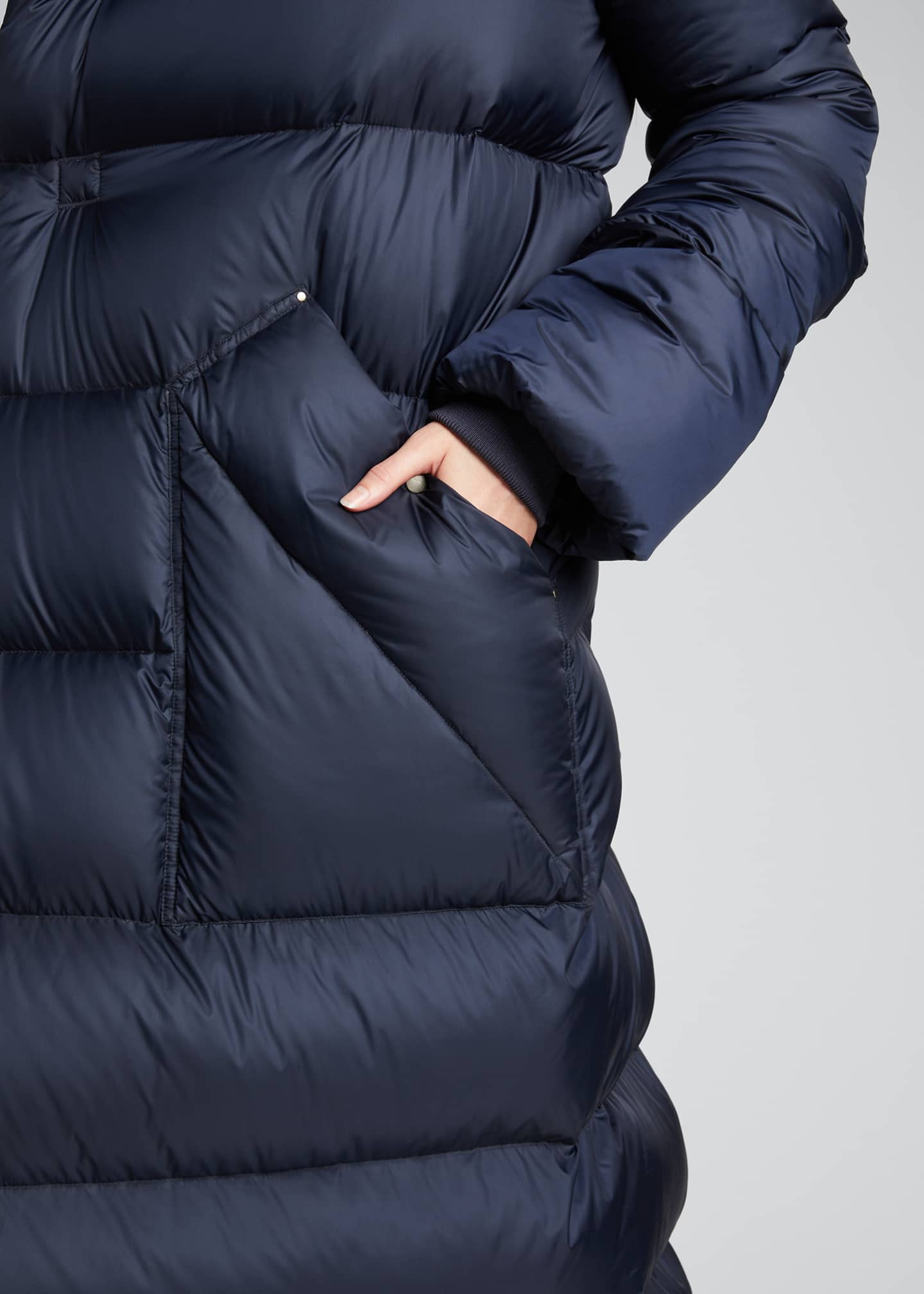 Image 4 of 5: Oversized Maxi Hooded Puffer Jacket