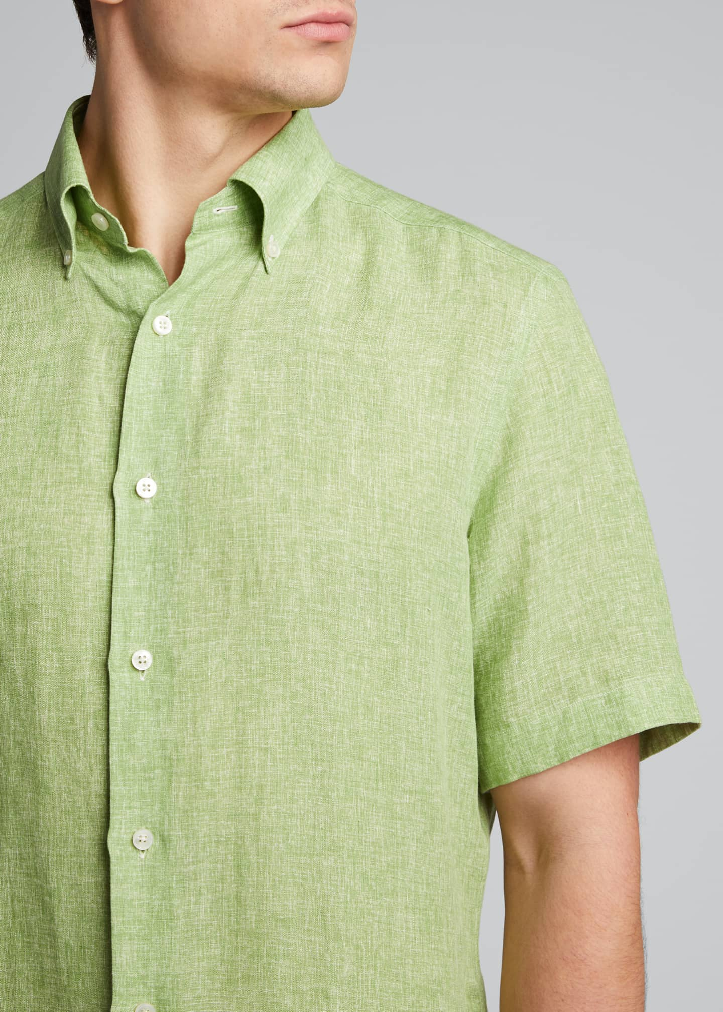 Image 4 of 5: Men's Solid Short-Sleeve Yarn-Dyed Sport Shirt