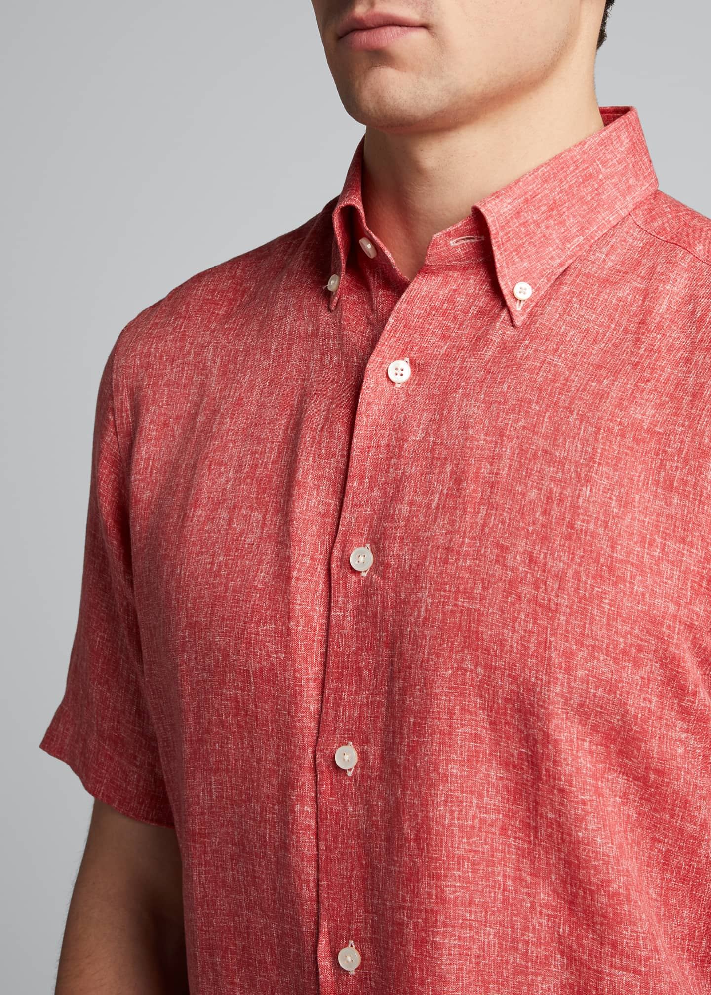 Image 4 of 5: Men's Solid Yarn-Dyed Linen Short-Sleeve Sport Shirt