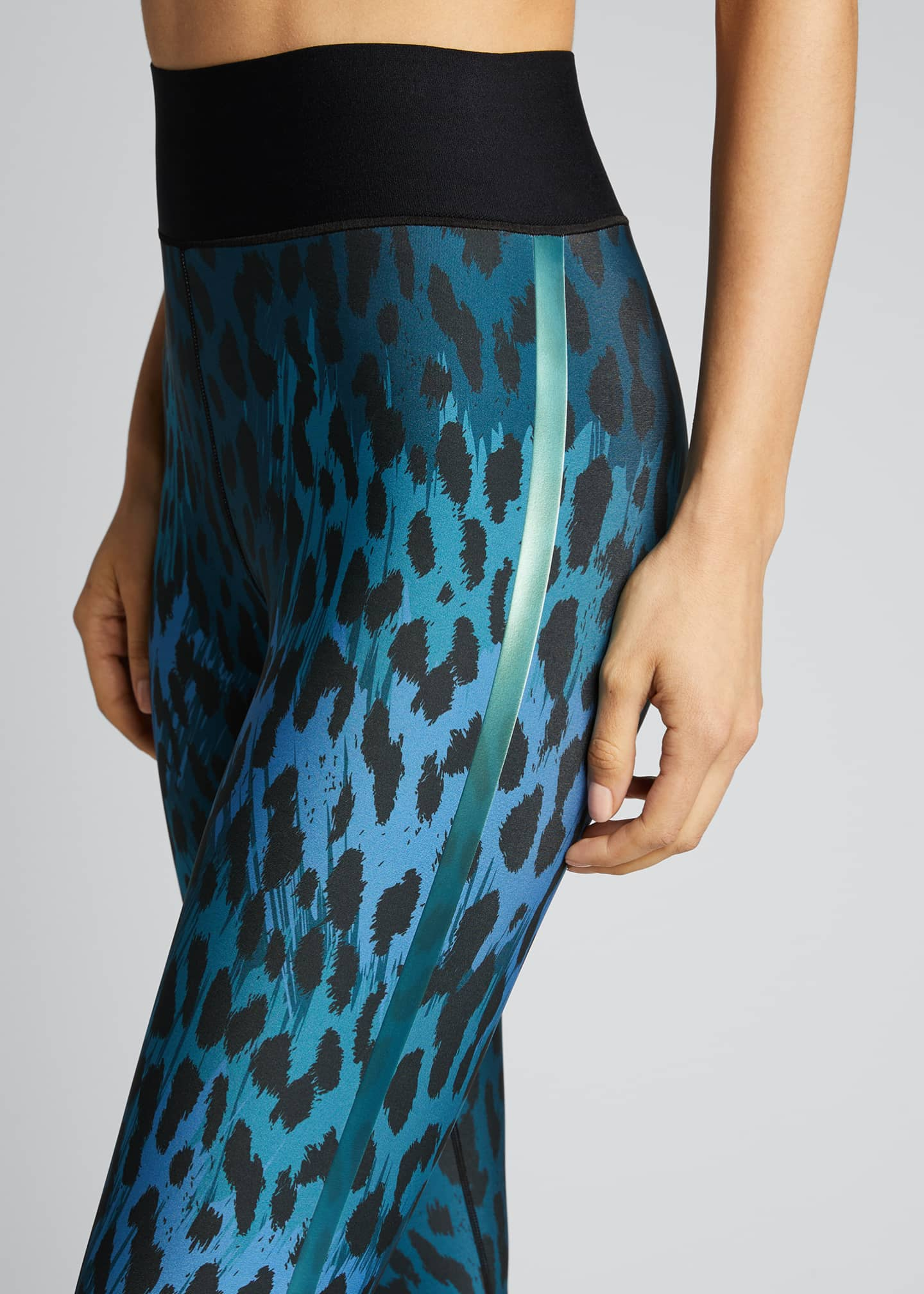Image 4 of 5: Ocelot Ultra High Leggings