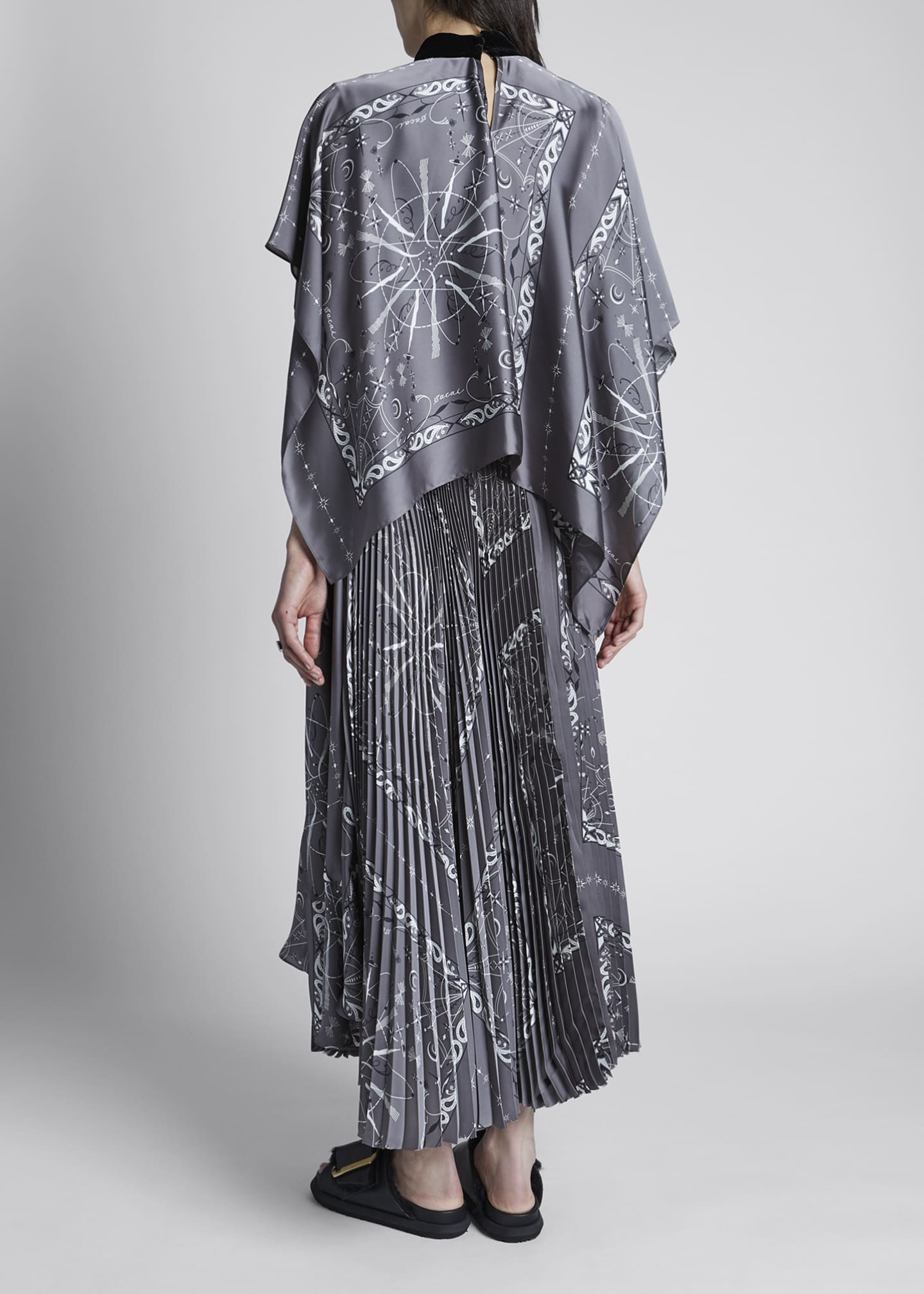 Image 2 of 4: Bandana-Print Pleated Maxi Dress