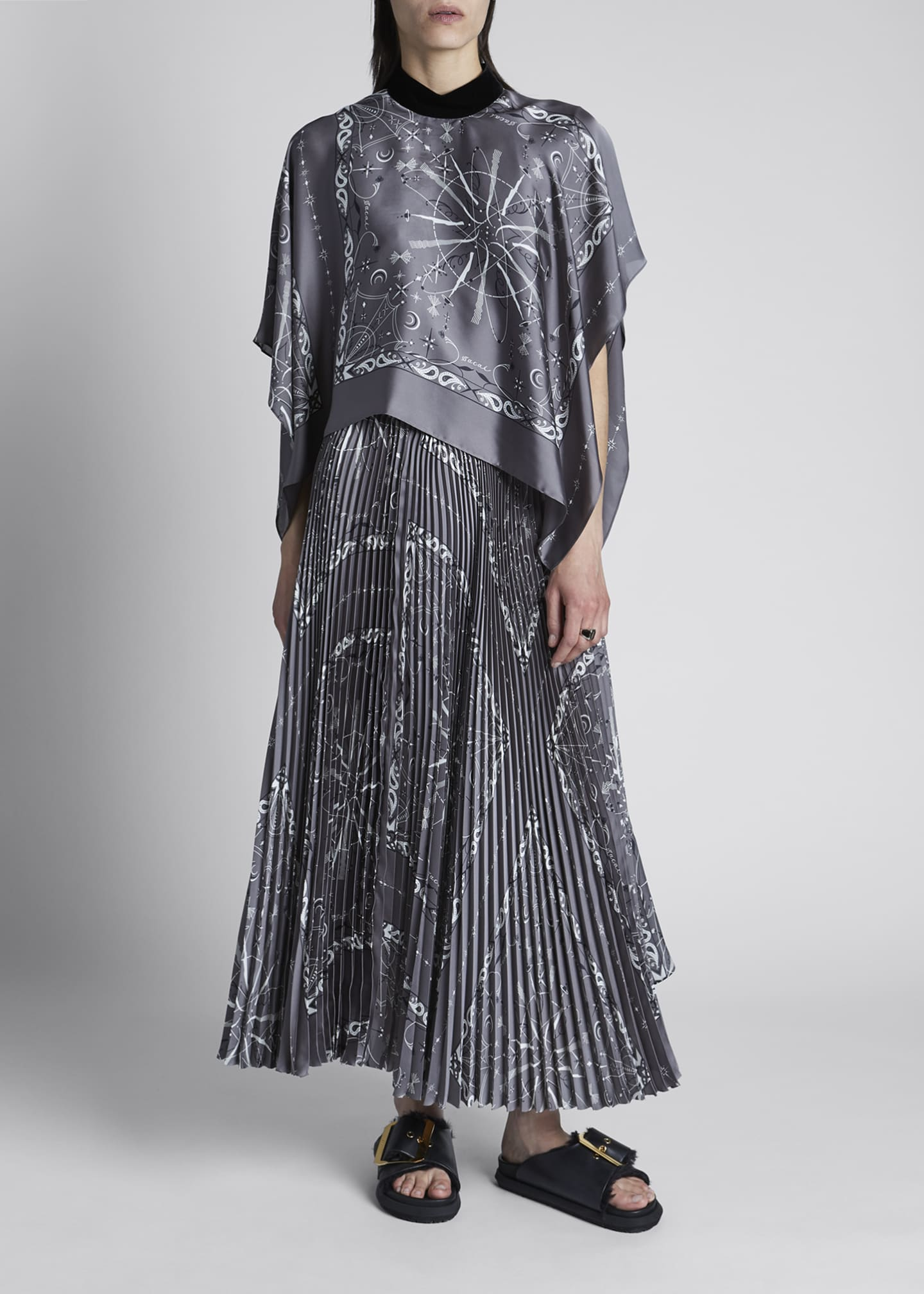 Image 1 of 4: Bandana-Print Pleated Maxi Dress