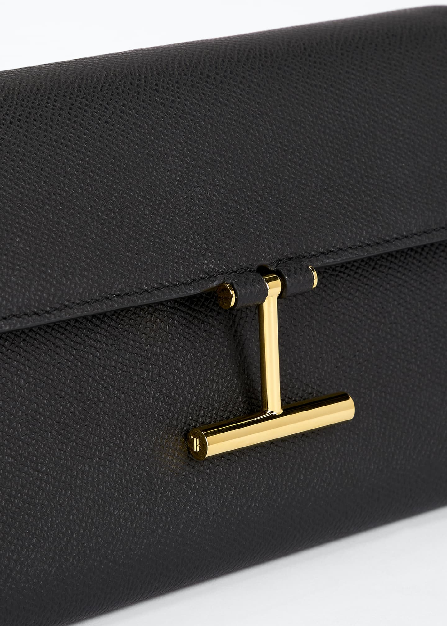 Image 4 of 5: Tara Alpina Grain Calf Wallet on Chain