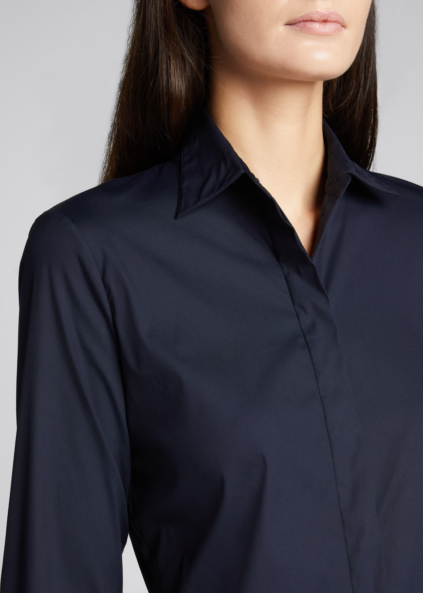 Image 4 of 5: Classic Straight Long-Sleeve Shirt