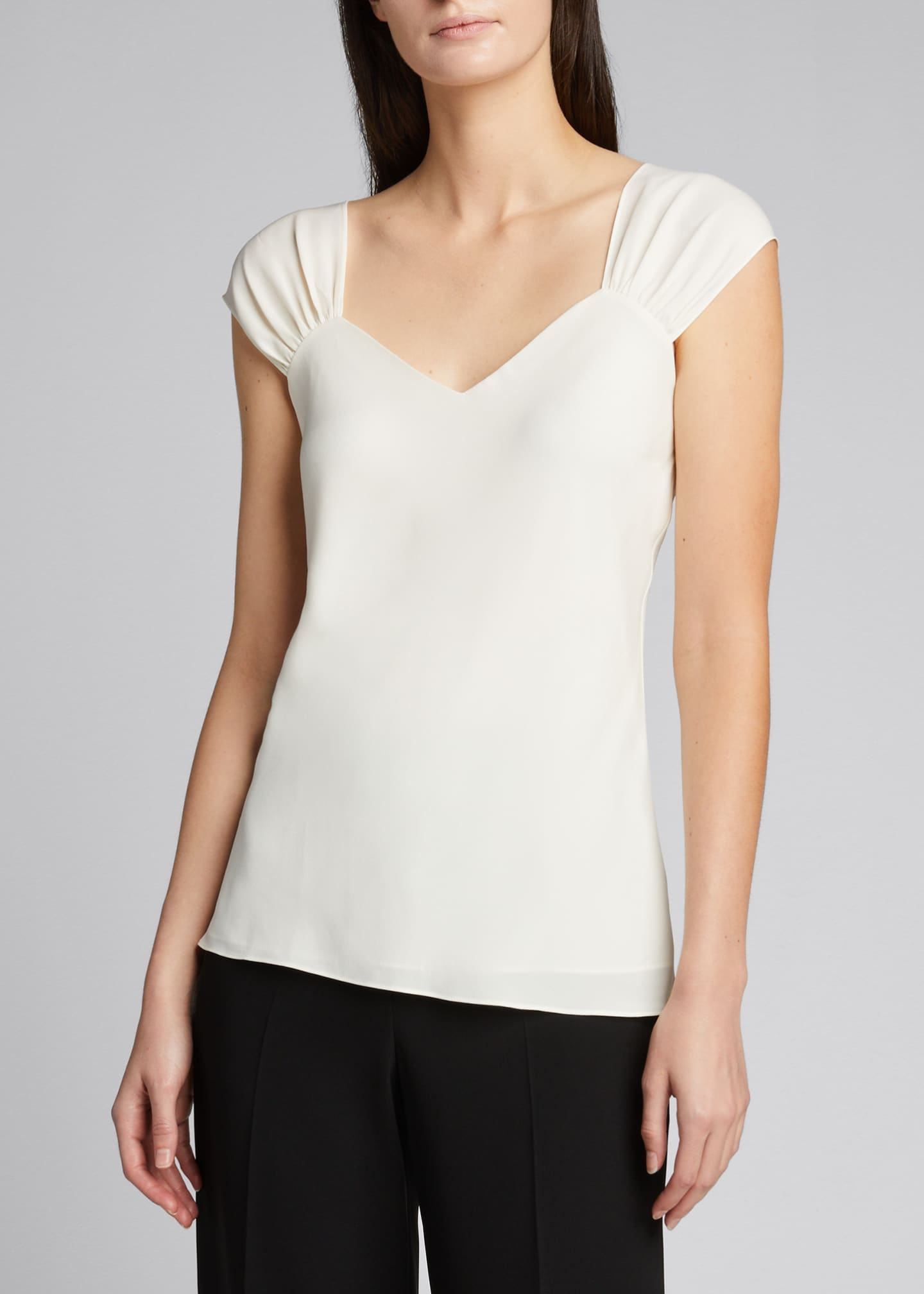 Image 3 of 5: Ruched V-Neck Sleeveless Top