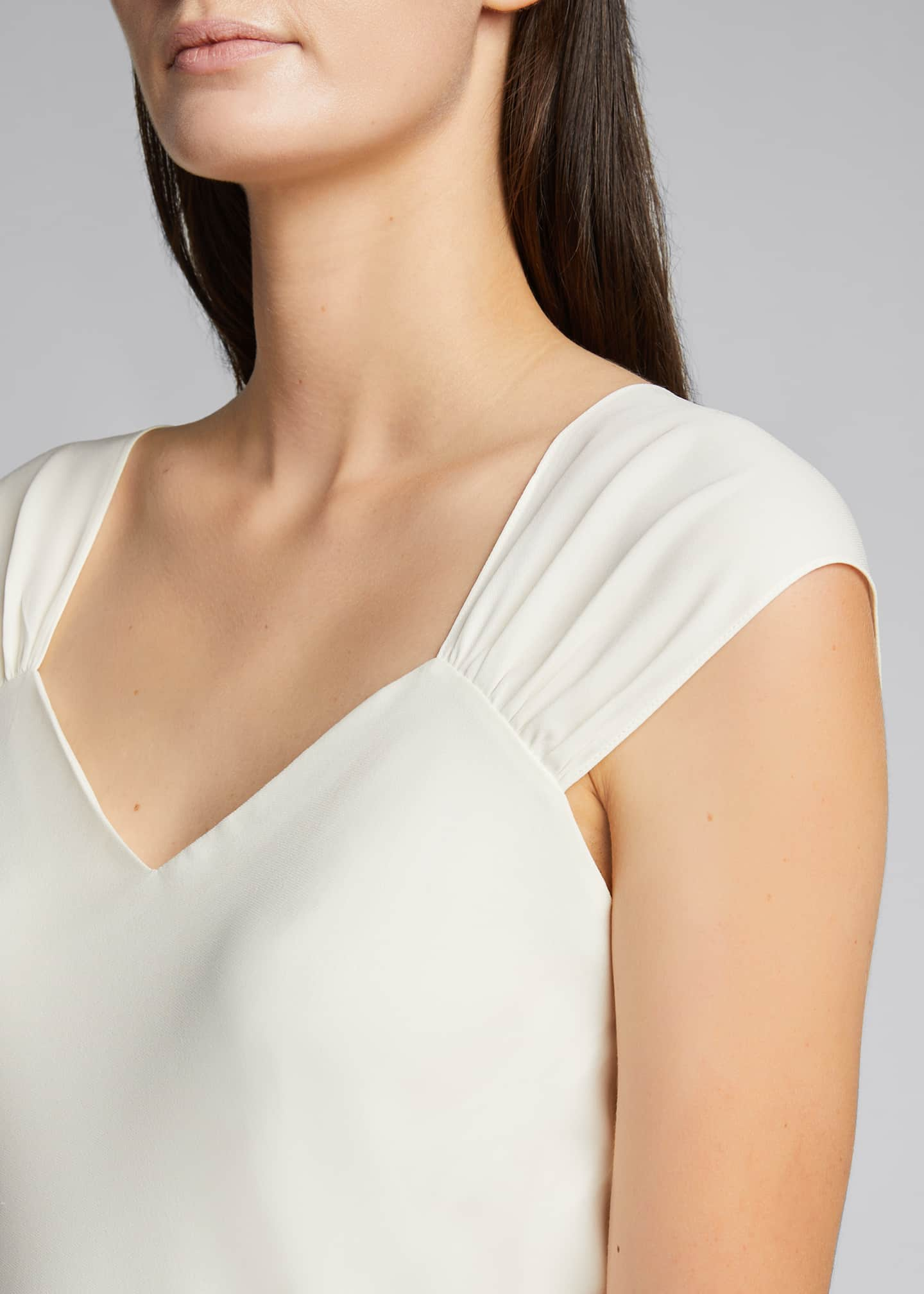 Image 4 of 5: Ruched V-Neck Sleeveless Top