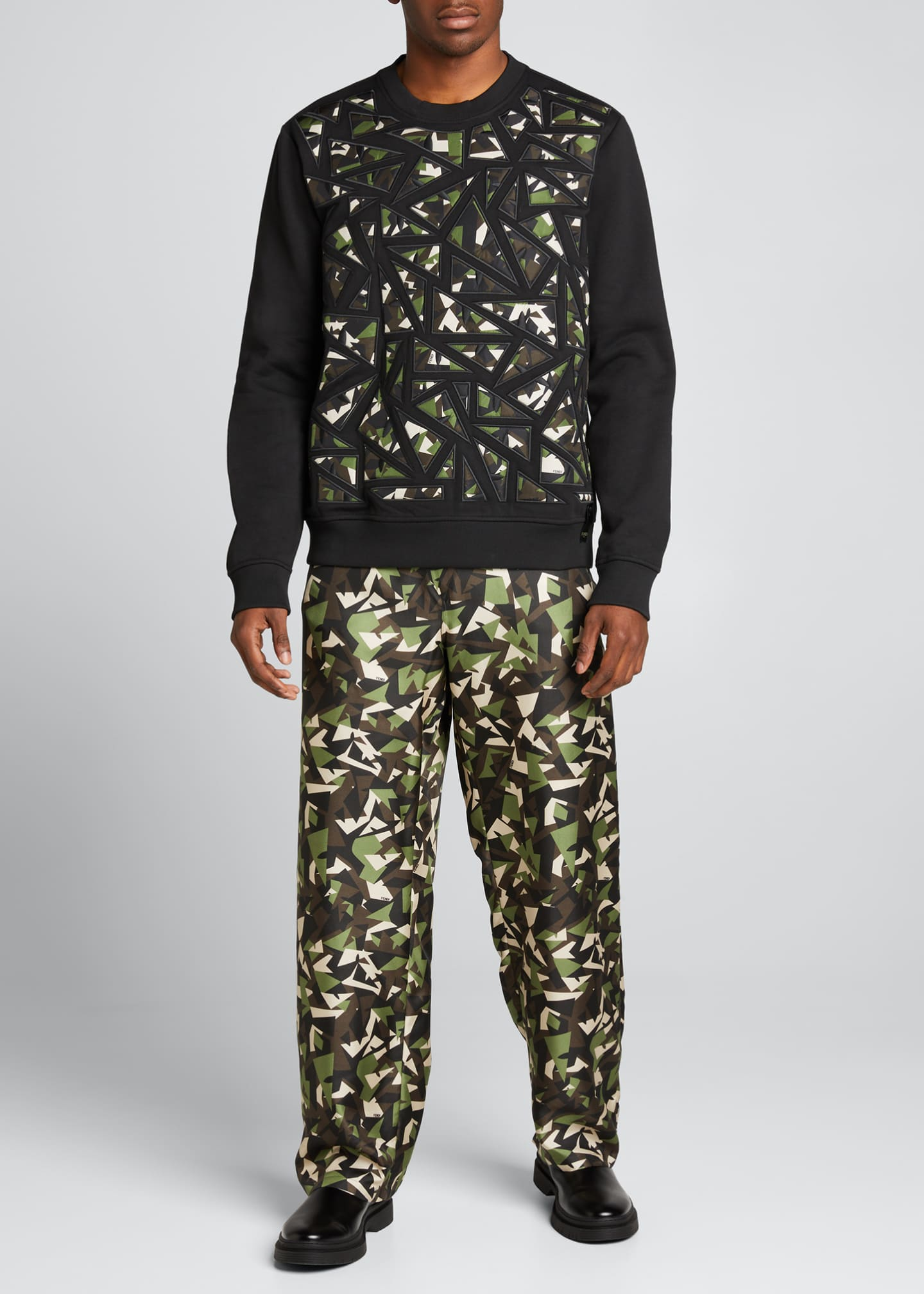 Image 1 of 5: Men's Camo Bugs Pieced Sweatshirt