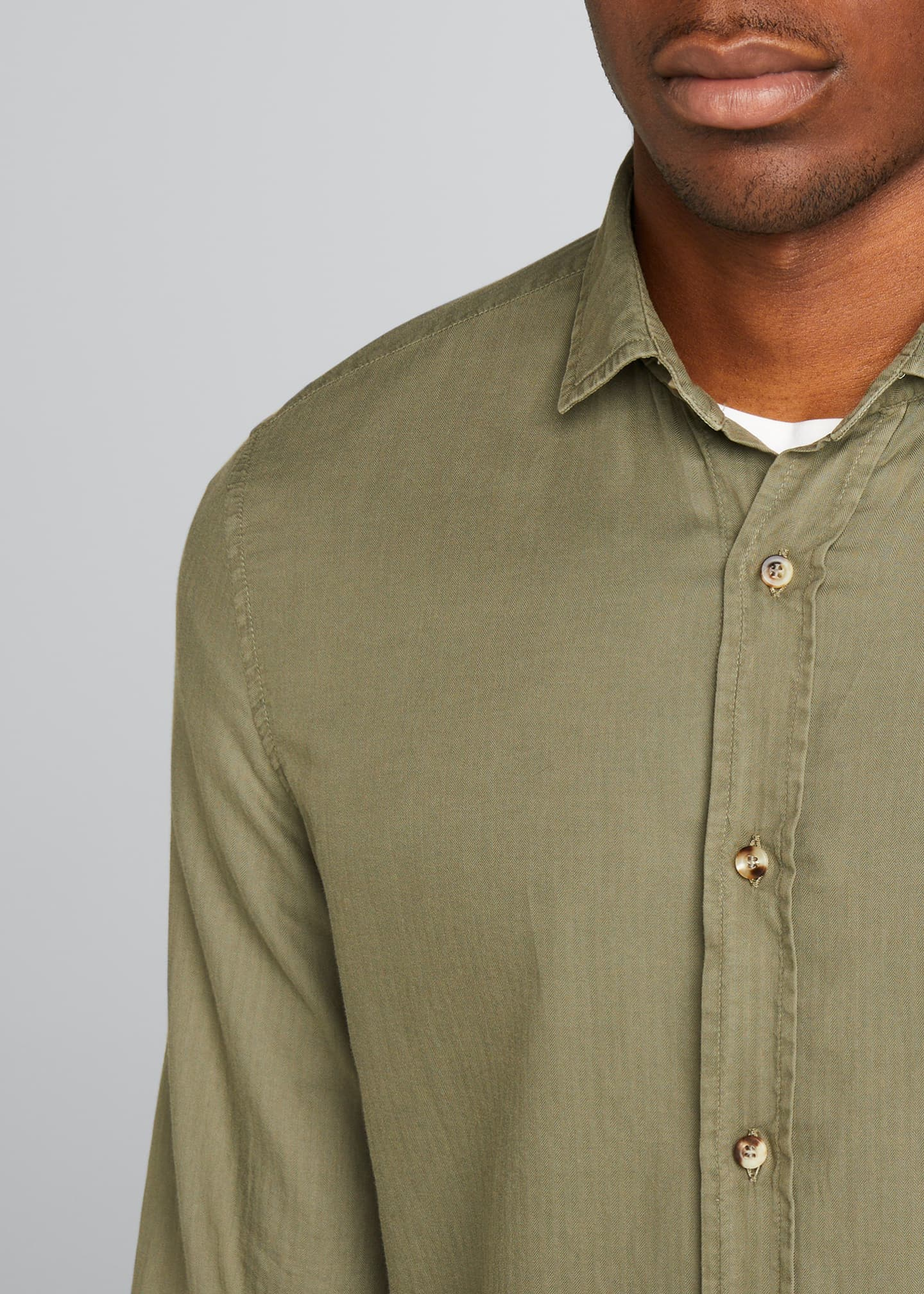 Image 4 of 5: Men's Leisure-Fit Solid Sport Shirt