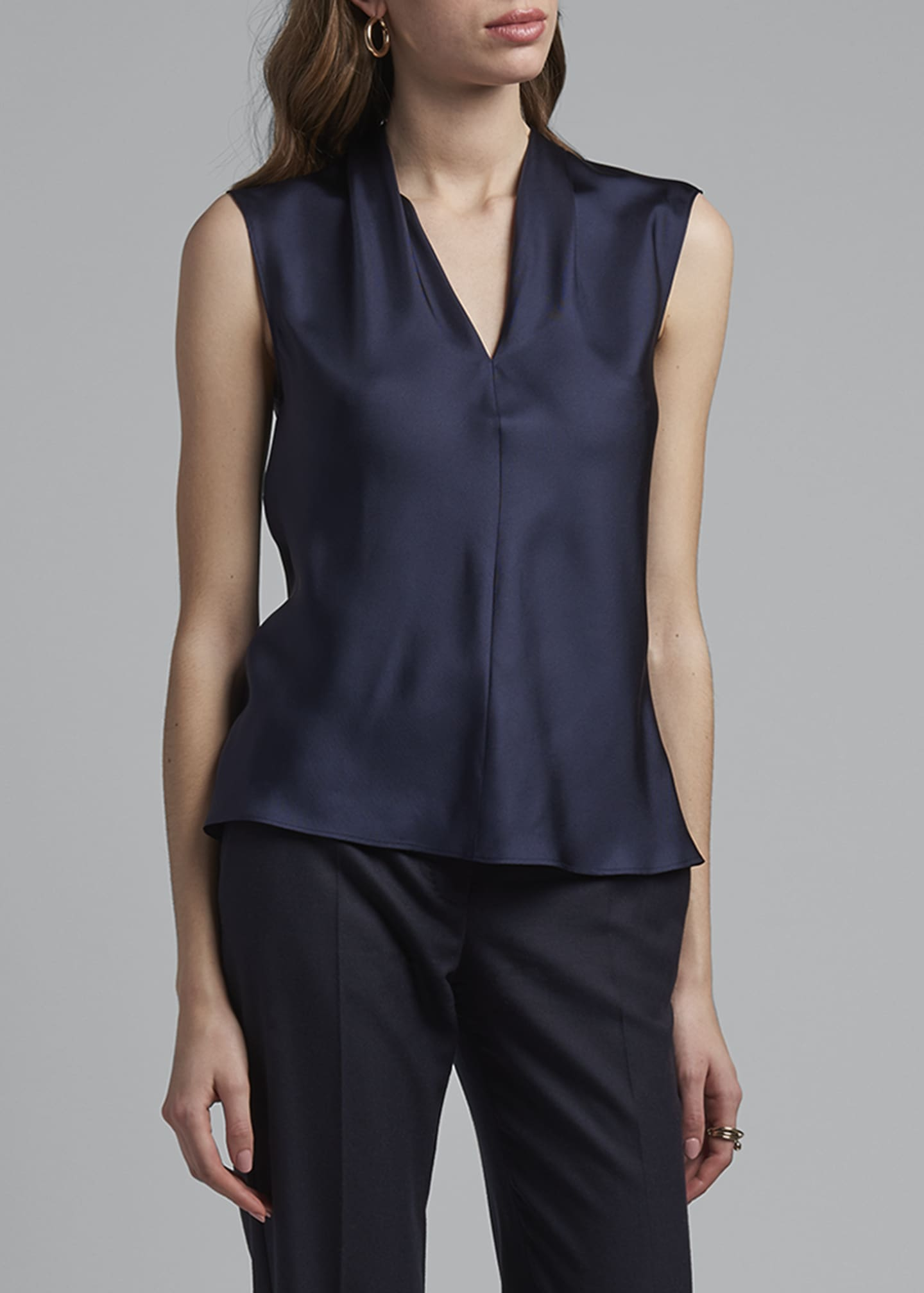 Image 3 of 4: Eternal Silk Twill Sleeveless Shell