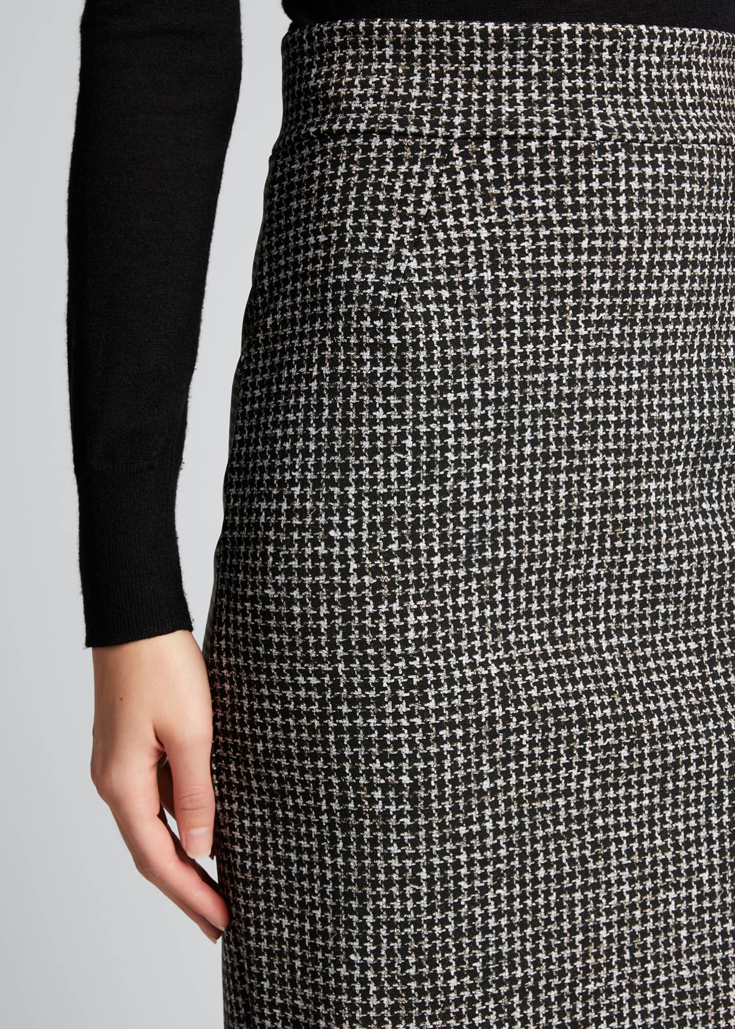 Image 4 of 5: Delfina Houndstooth Printed Knee-Length Pencil Skirt