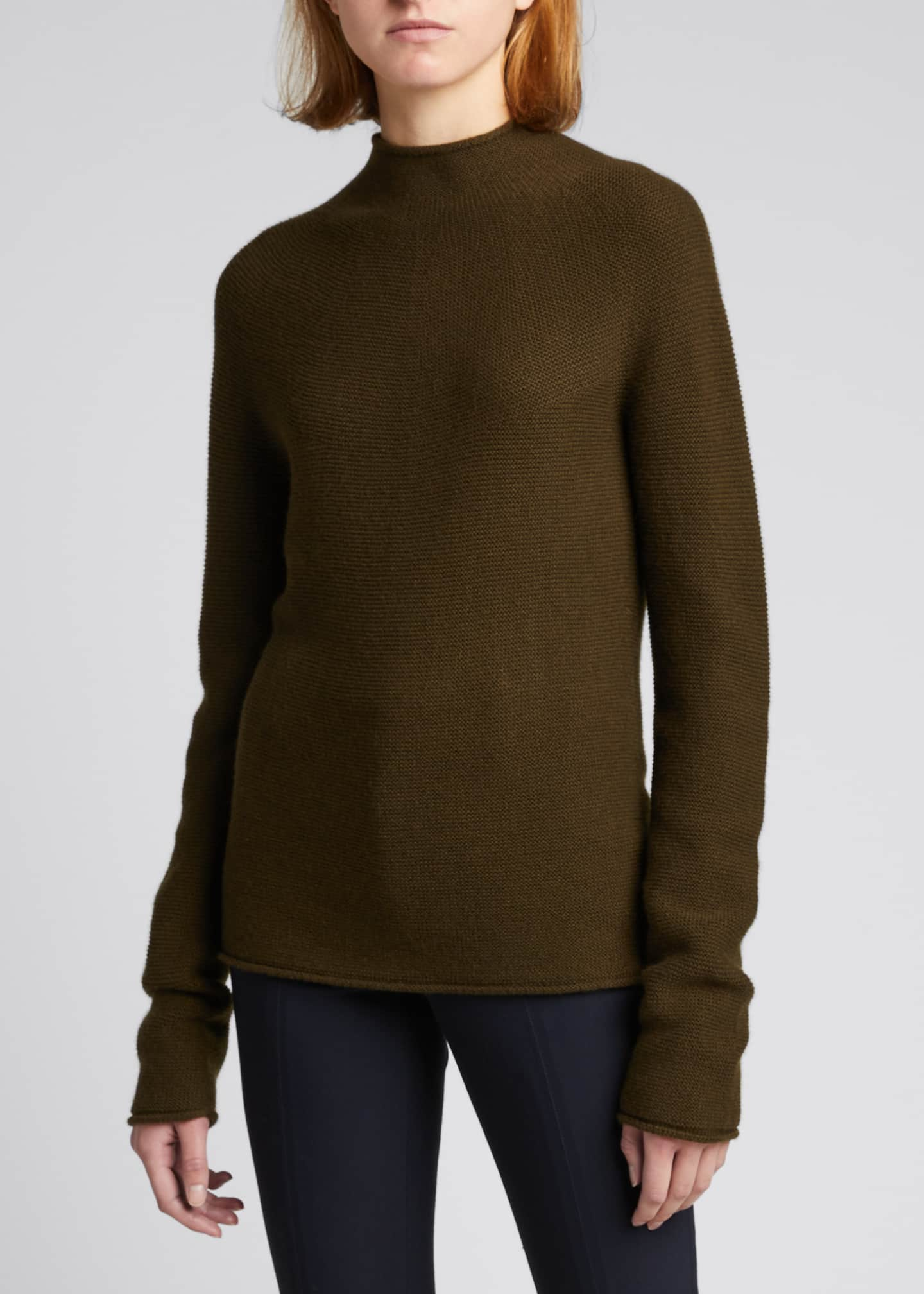 Image 3 of 5: Seamless Cashmere Sweater