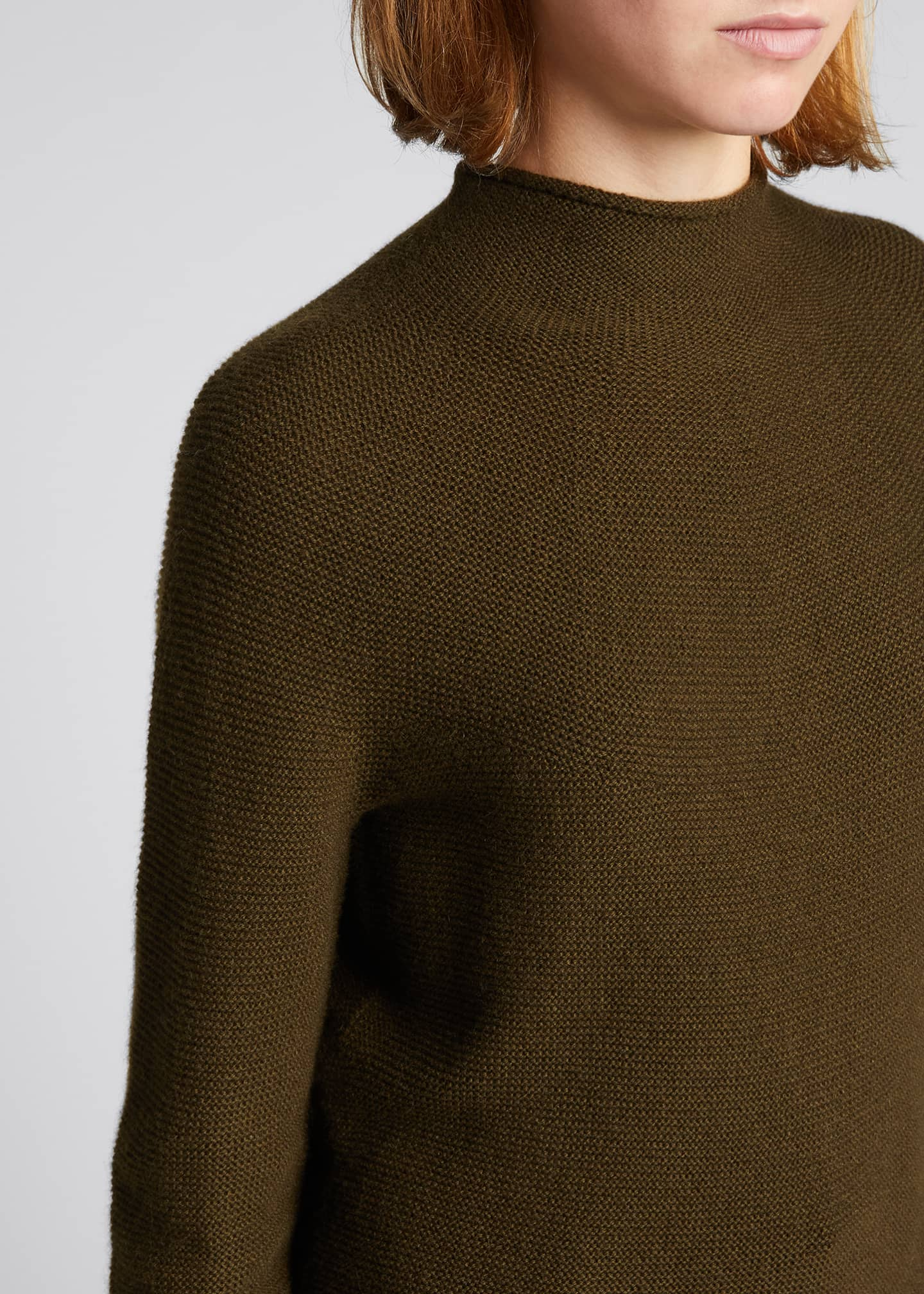 Image 4 of 5: Seamless Cashmere Sweater